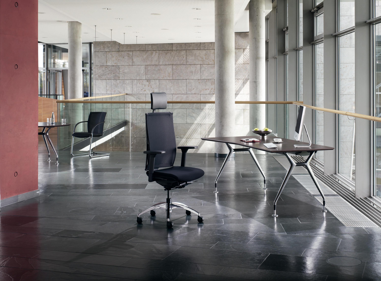 summa management executive desks from k nig neurath. Black Bedroom Furniture Sets. Home Design Ideas