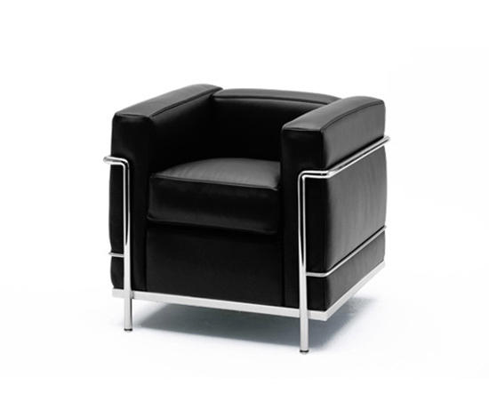 Lc2 poltrona poltrone lounge cassina architonic for Le corbusier lc2