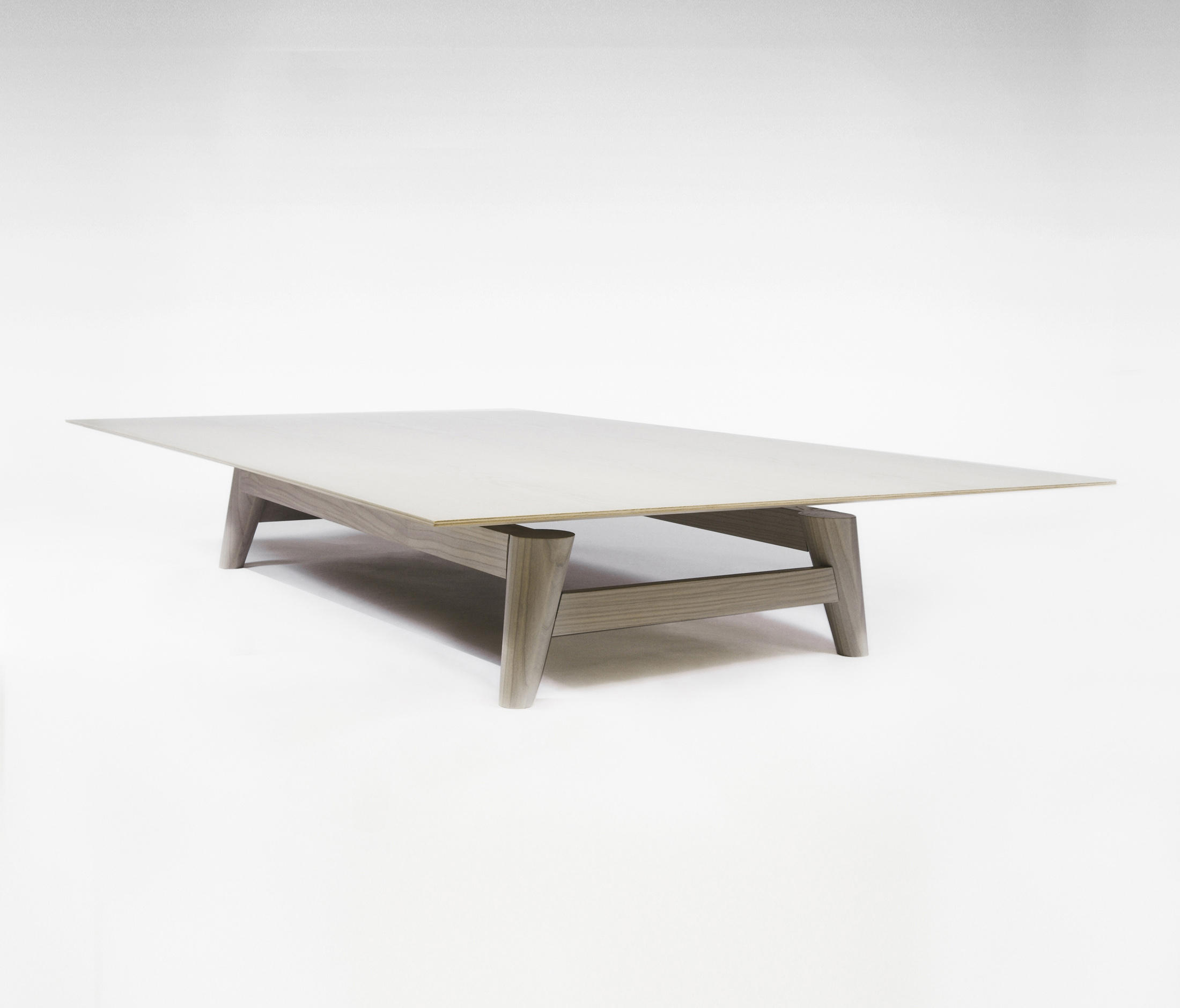 FLIGHT COFFEE TABLE Coffee tables from RVW Production