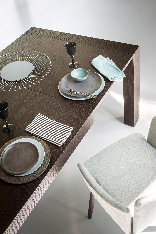 Dueci tavoli da pranzo lema architonic for Produttori tavoli