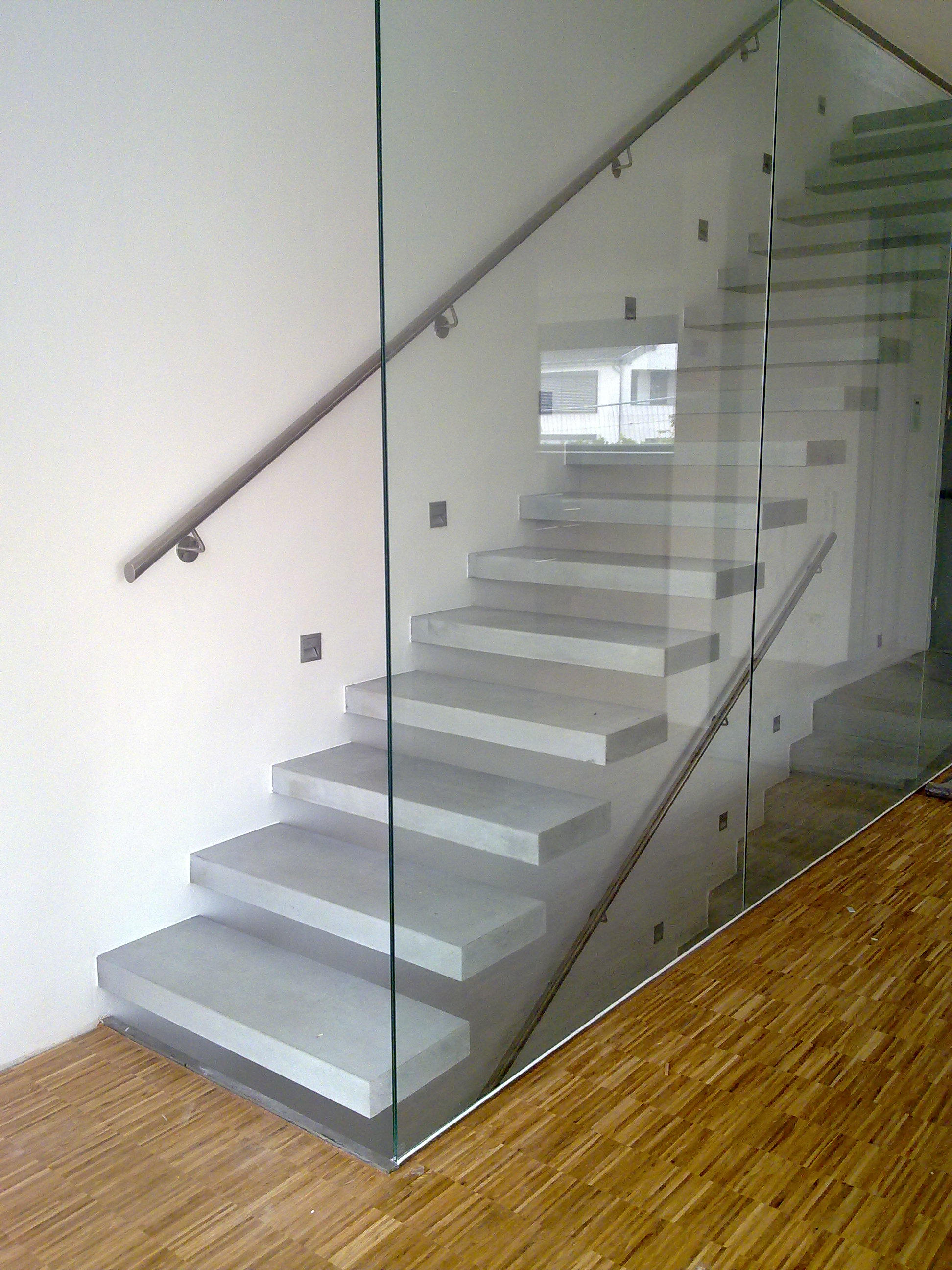 Covering Concrete Steps Precast : Cantilevered stairs in concrete staircase systems from