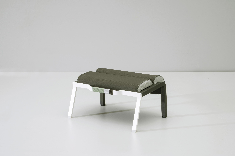 bob footstool poufs de kettal architonic. Black Bedroom Furniture Sets. Home Design Ideas