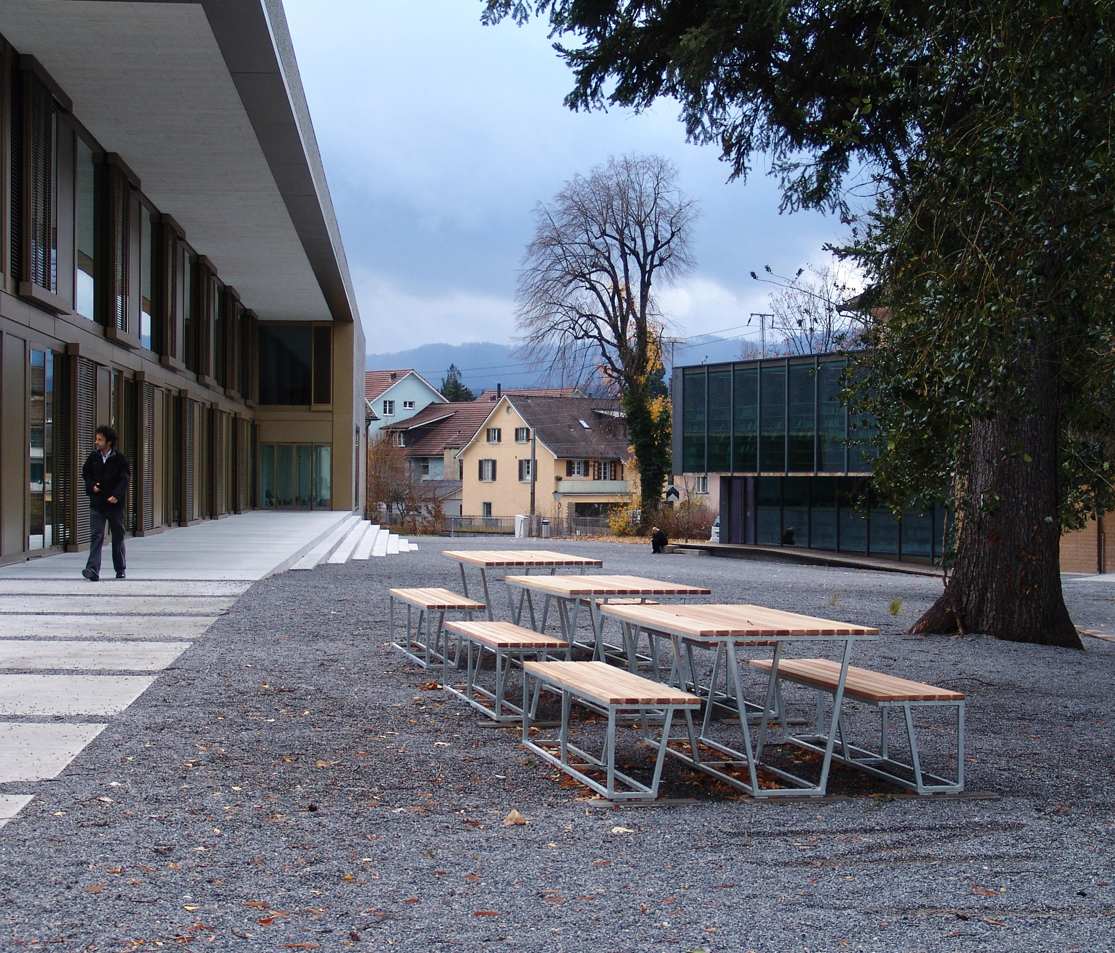 Landscape esstisch au ensitzb nke und tische von burri for Esstisch landscape