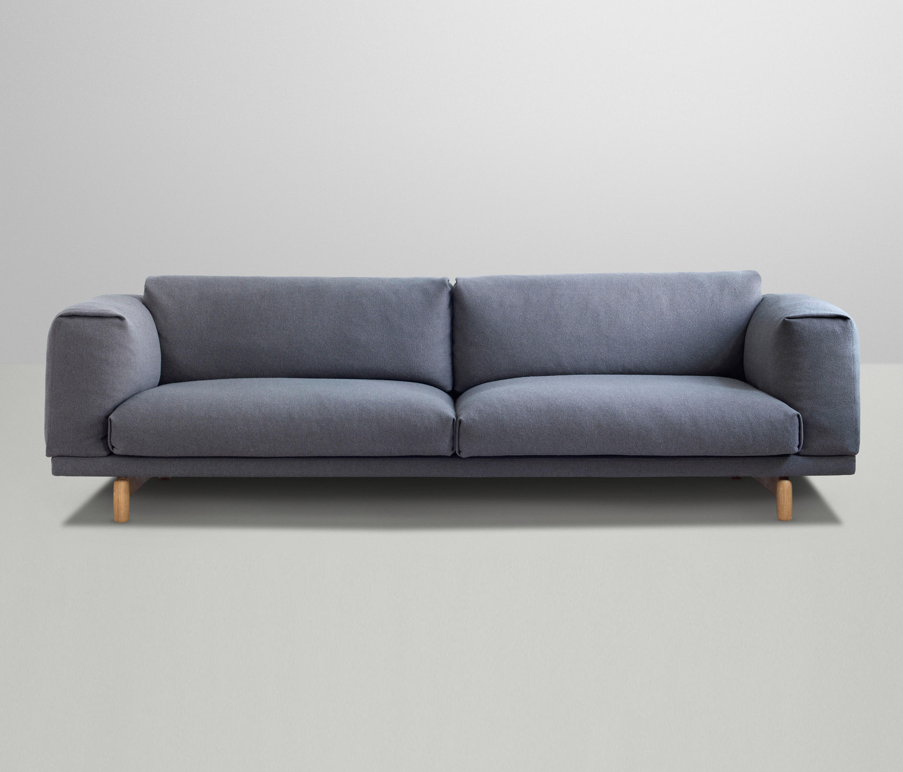 rest 3 seater lounge sofas from muuto architonic. Black Bedroom Furniture Sets. Home Design Ideas