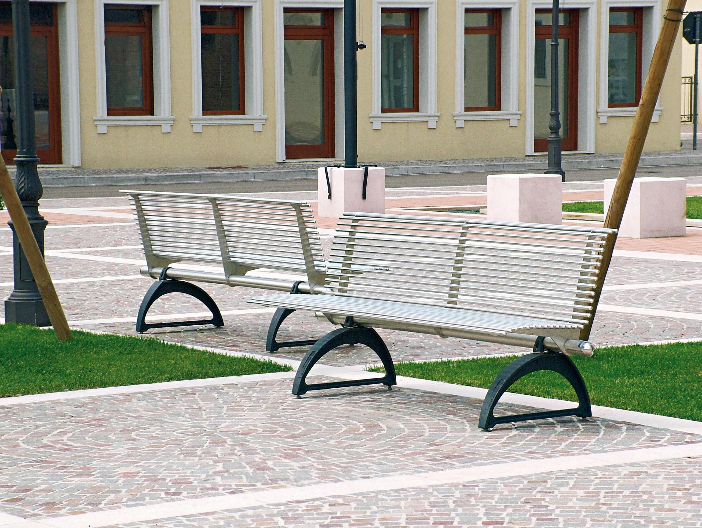 Libre bancos de exterior de metalco architonic for Bancos para exterior