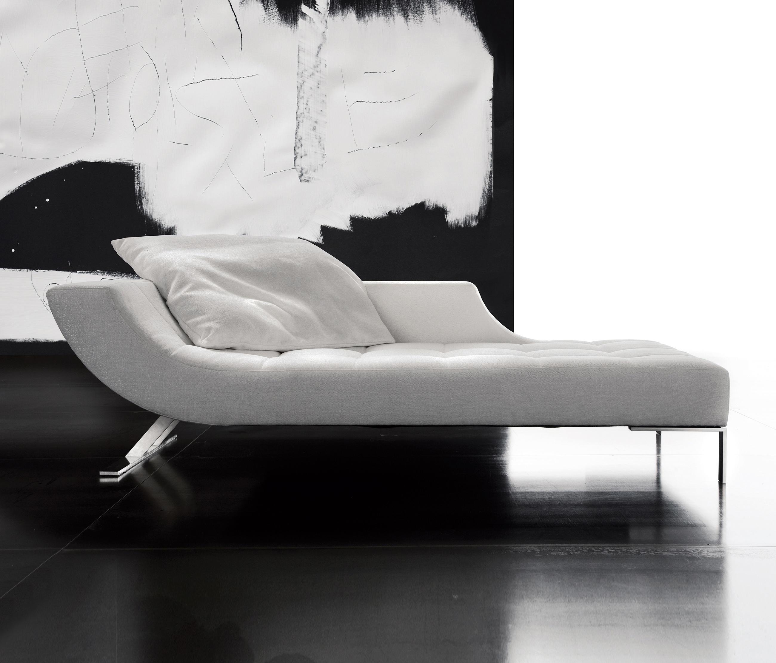 Viceversa chaise longue chaise longues von erba italia for Des chaises longues