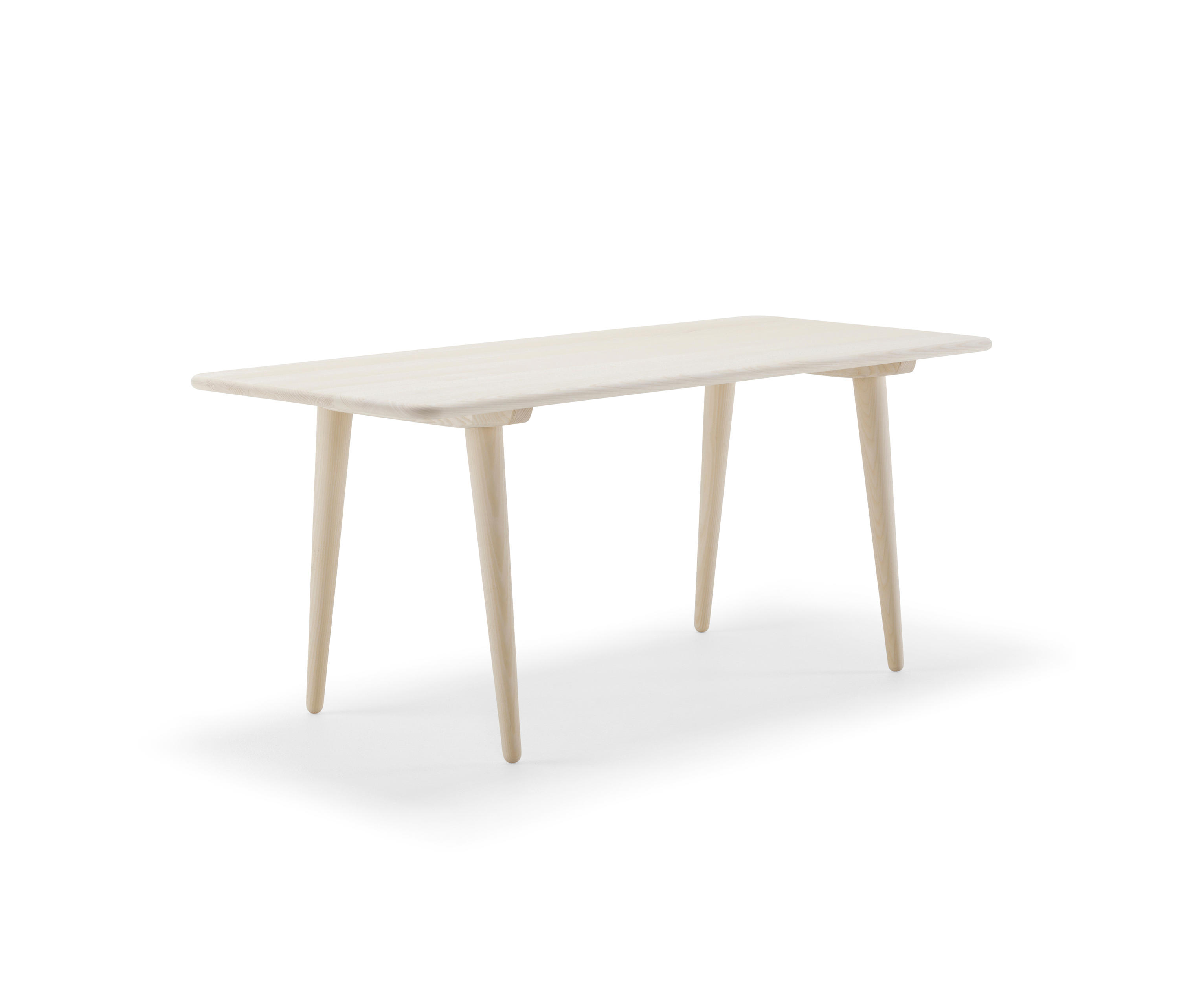 CH011 Lounge tables from Carl Hansen & S¸n
