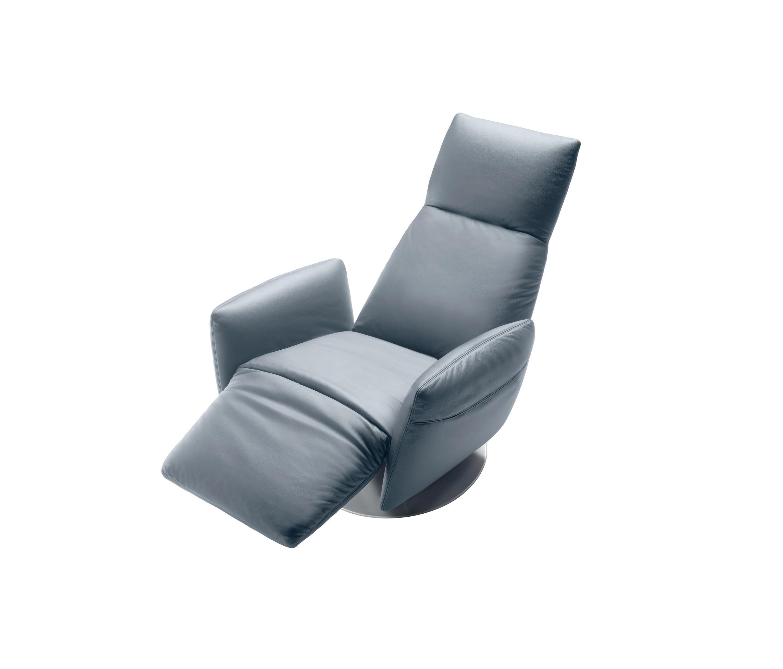 Pillow poltrone reclinabili poltrona frau architonic for Poltrone reclinabili