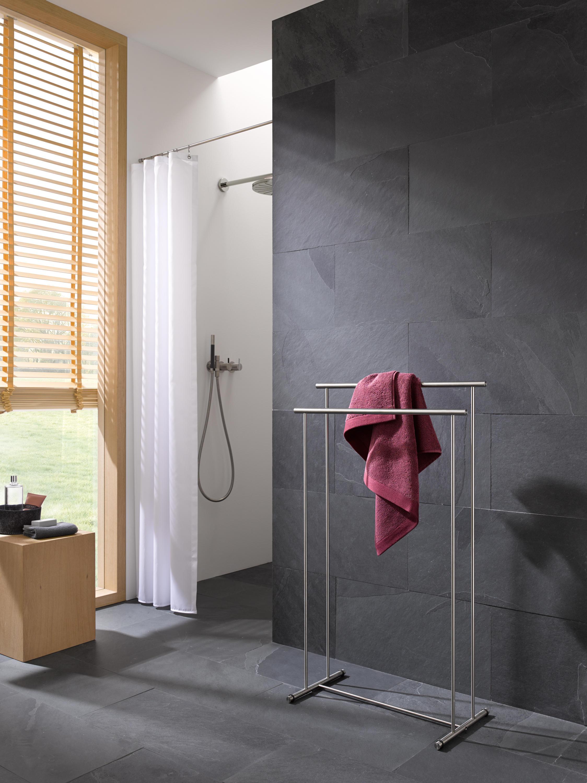 handtuchst nder htb 2 handtuchhalter von phos design architonic. Black Bedroom Furniture Sets. Home Design Ideas