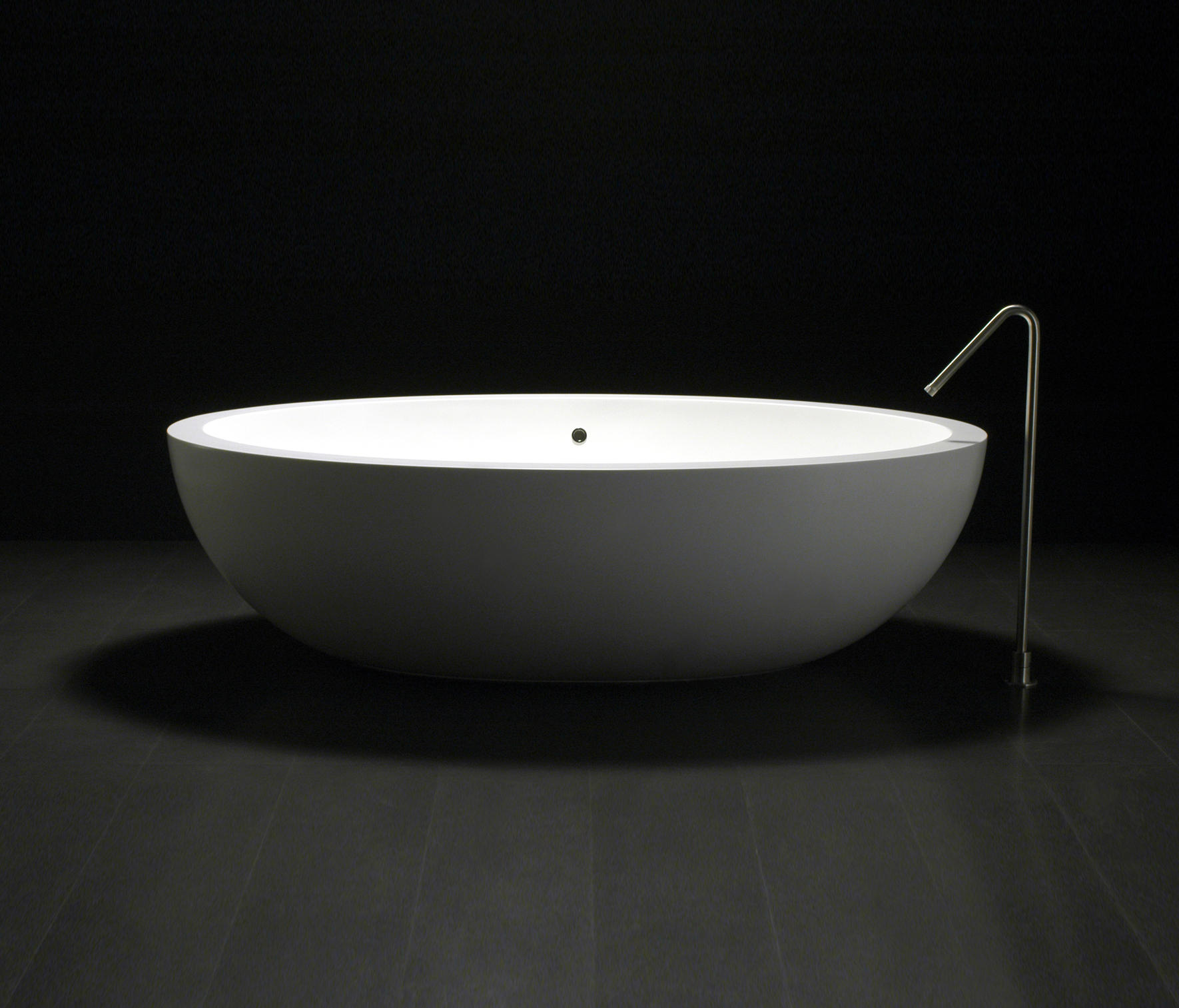 https://image.architonic.com/img_pro2-4/114/2886/bagni-vasche-Po-I-Fiumi-1-b.jpg
