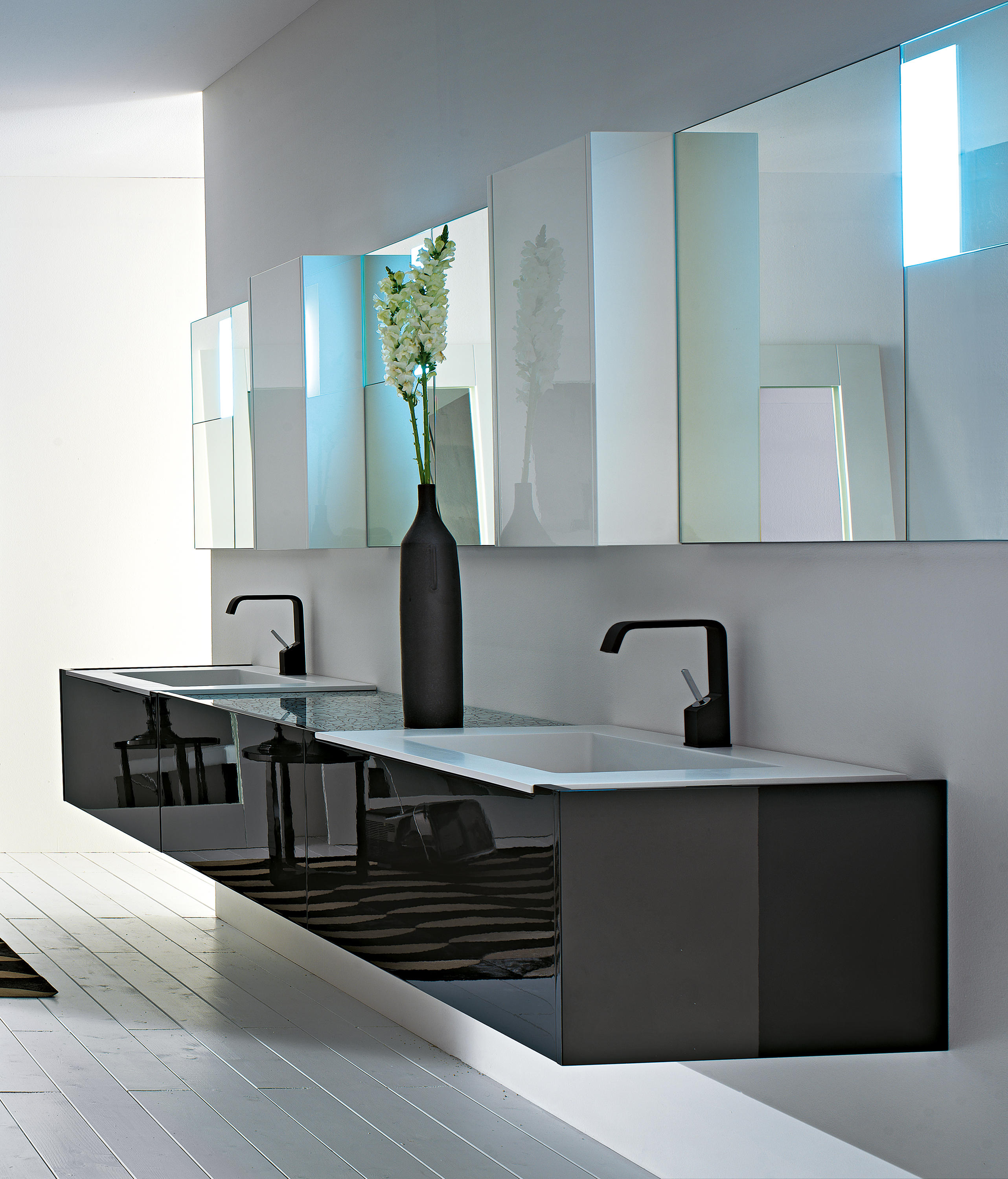LESS - Vanity units from RIFRA | Architonic