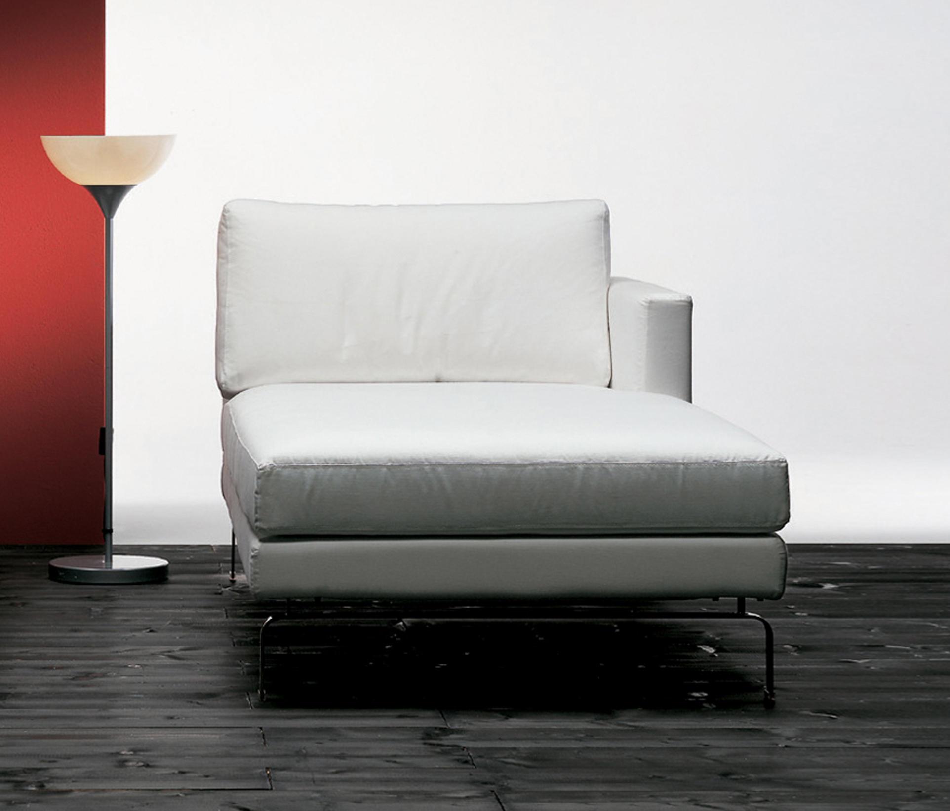 Mizar chaise longue chaise longues from via della spiga for Chaise longue manufacturers