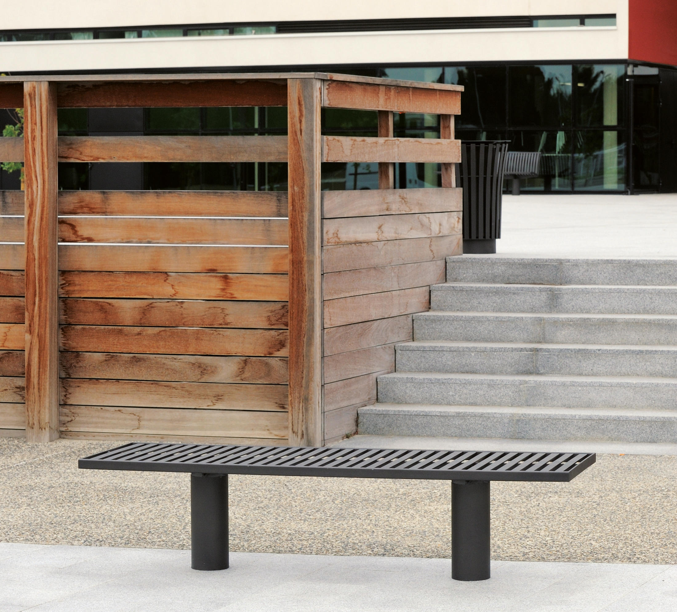 Toronto metal Outdoor Bench by AREA