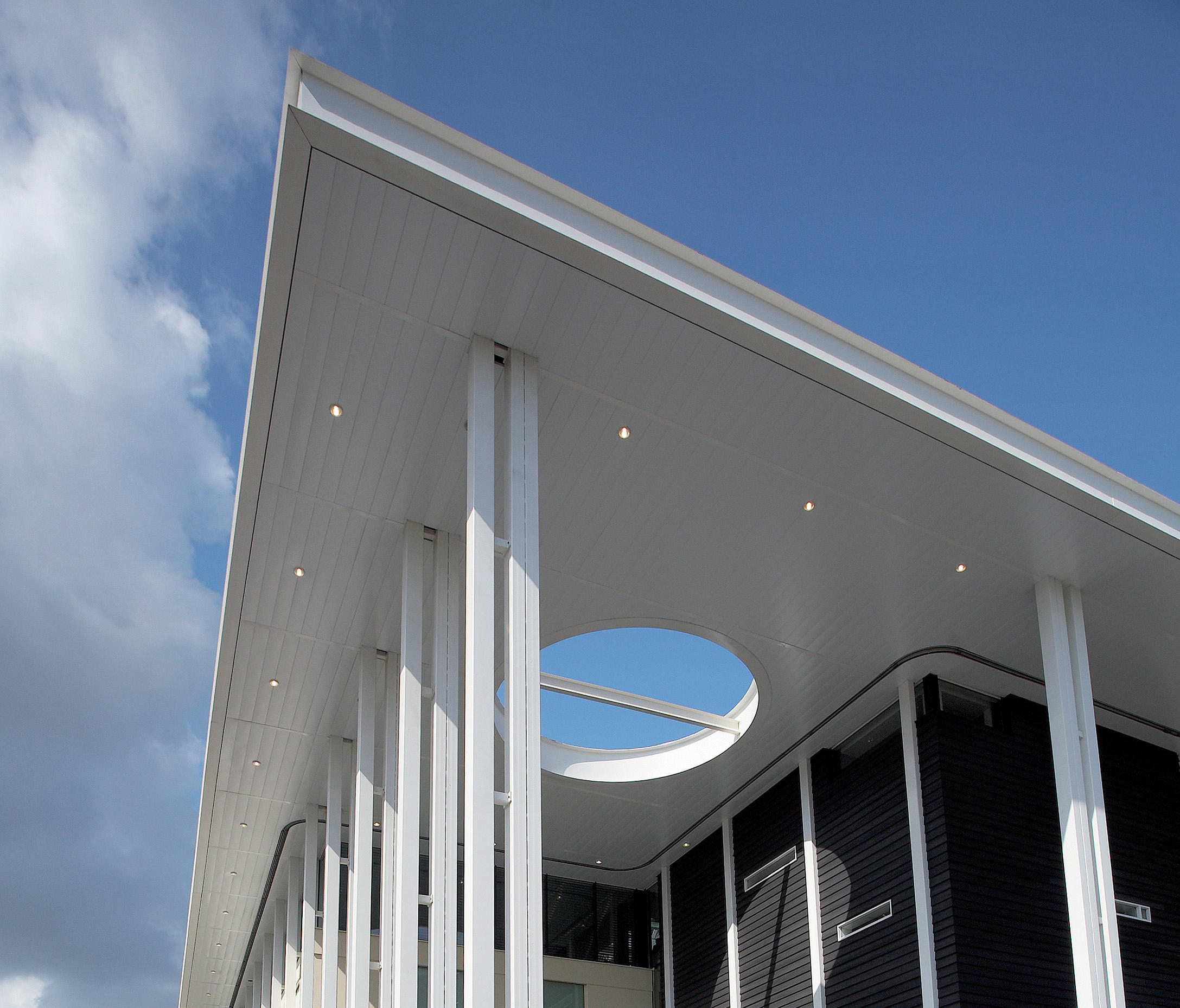 EXTERIOR WIDE PANEL METAL CEILING - Facade cladding from Hunter ...