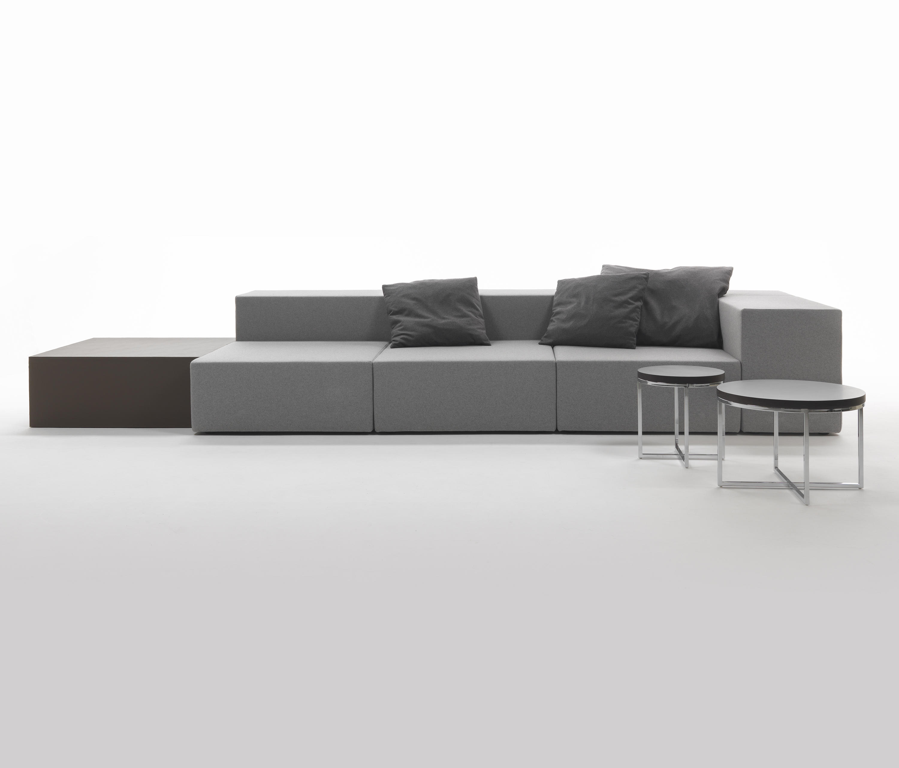 LOUNGE SOFA Modular seating systems from Giulio Marelli