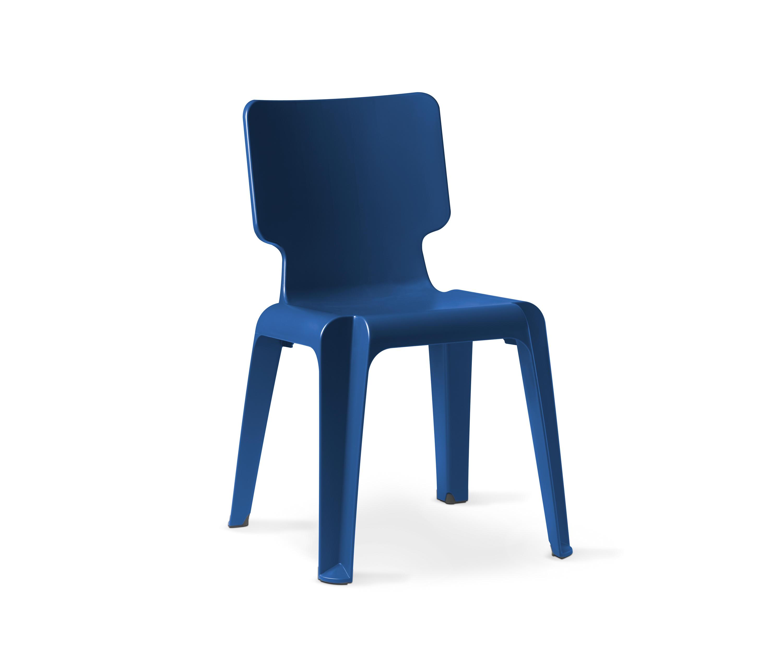 WAIT PLASTIC CHAIR Garden chairs from Authentics