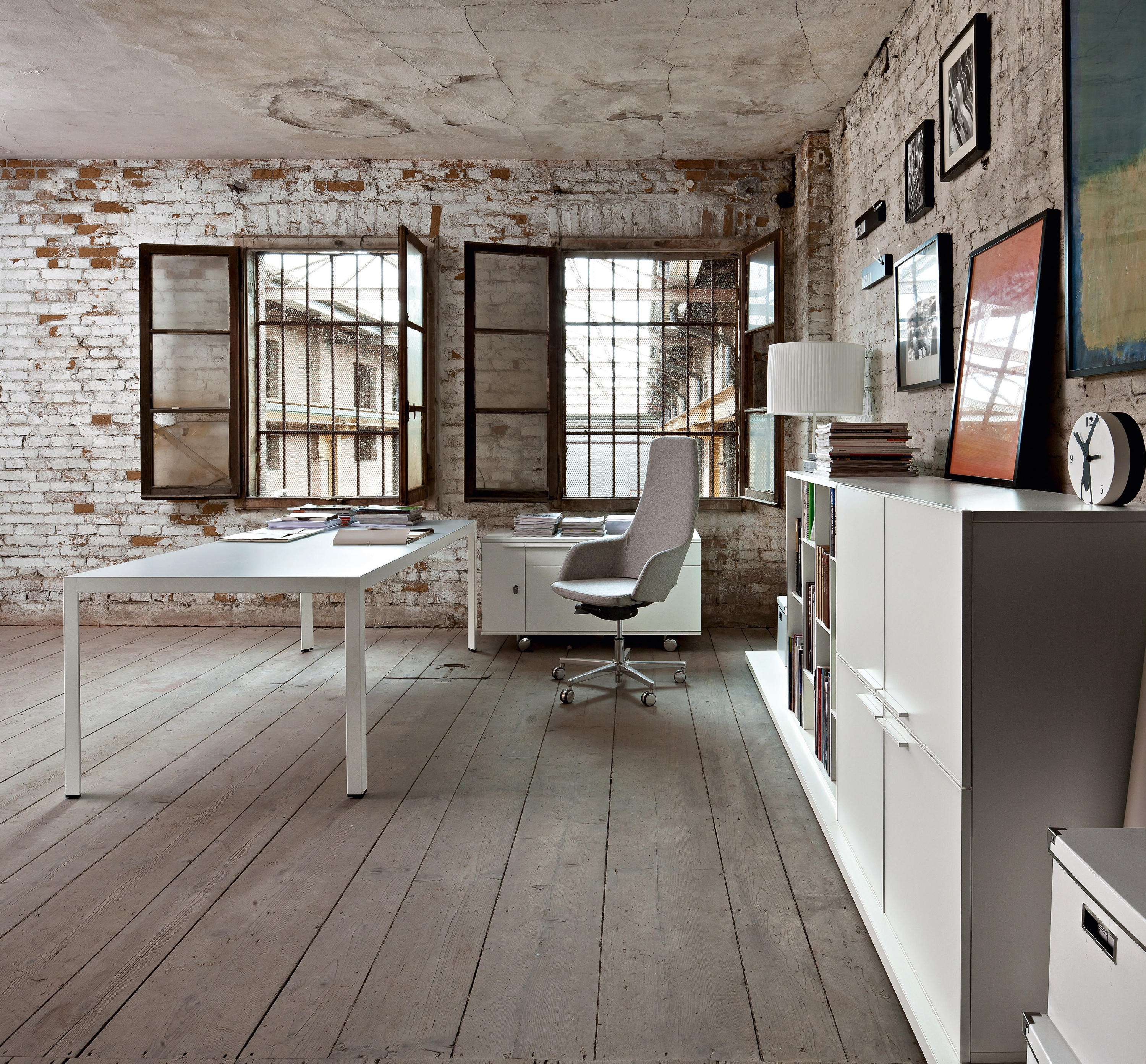 FRAME+ EXECUTIVE - Individual desks from Sinetica ...