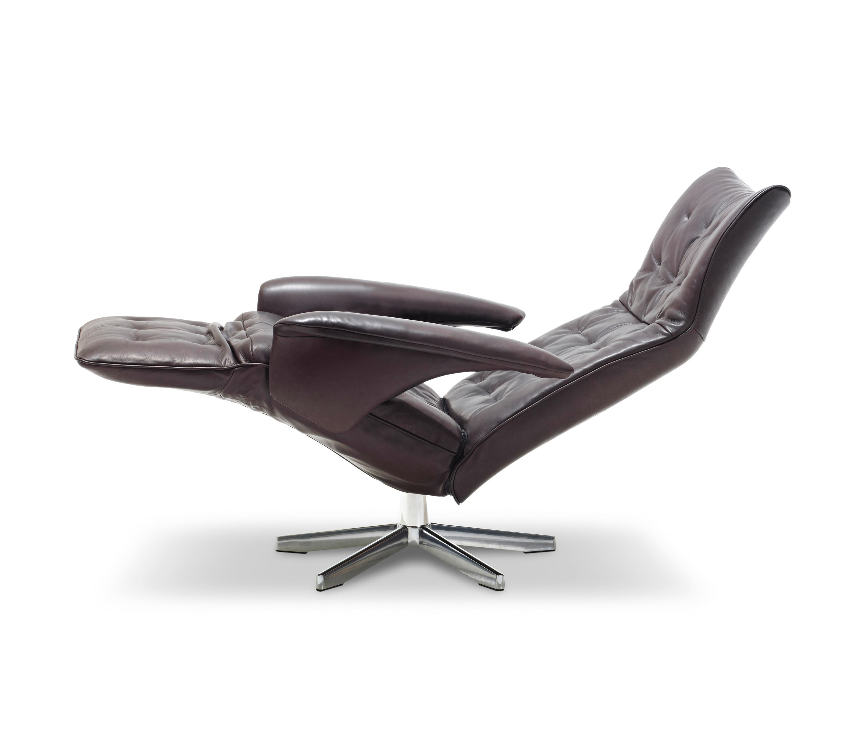 square relaxsessel relaxsessel von jori architonic. Black Bedroom Furniture Sets. Home Design Ideas