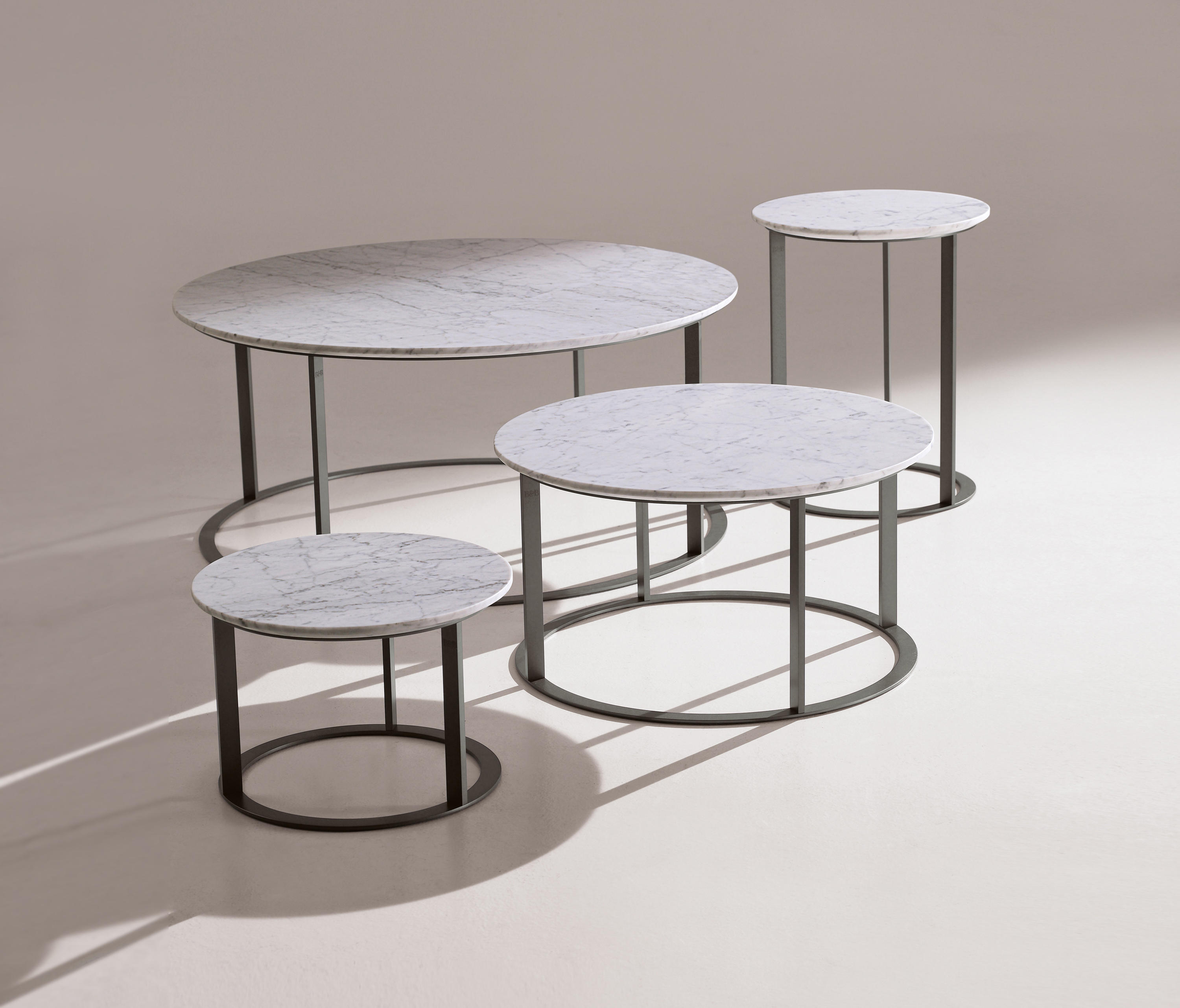 MERA Lounge tables from B&B Italia