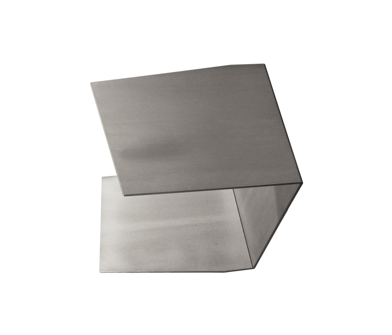 C tisch alufalte beistelltische von xbritt moebel for Beistelltisch c form