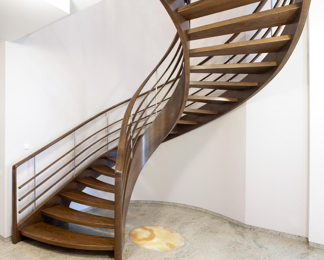 treppe handlauf holz gebogen wohn design. Black Bedroom Furniture Sets. Home Design Ideas