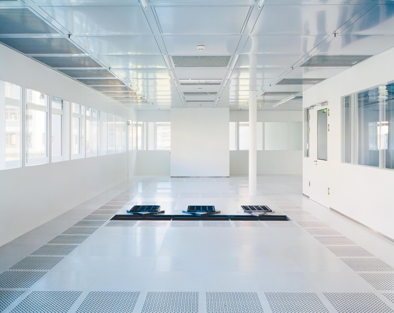 Clean Room: Floor Panels From Lindner Group
