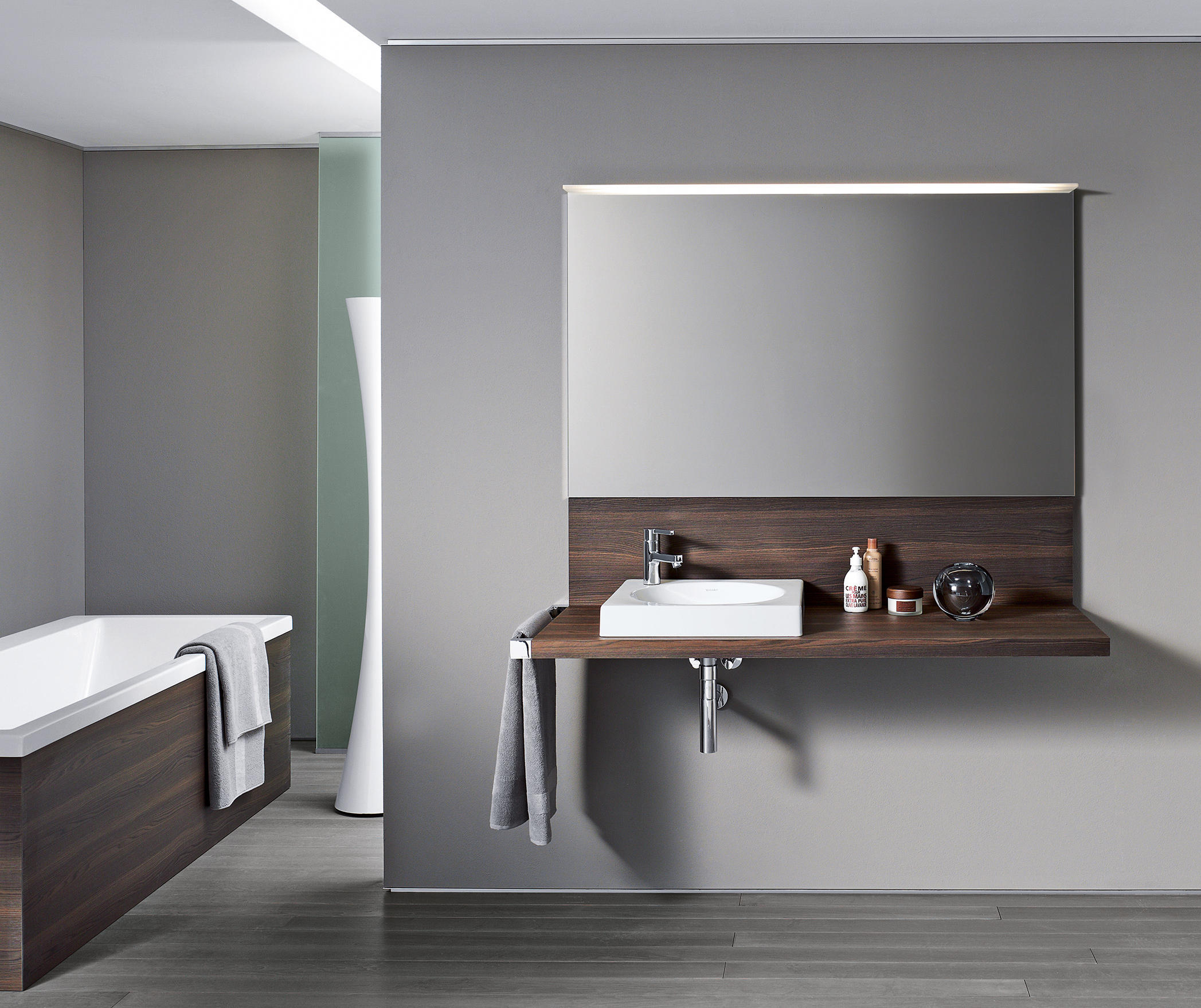 DELOS CONSOLE WITH BACK PANEL - Wash basins from DURAVIT | Architonic