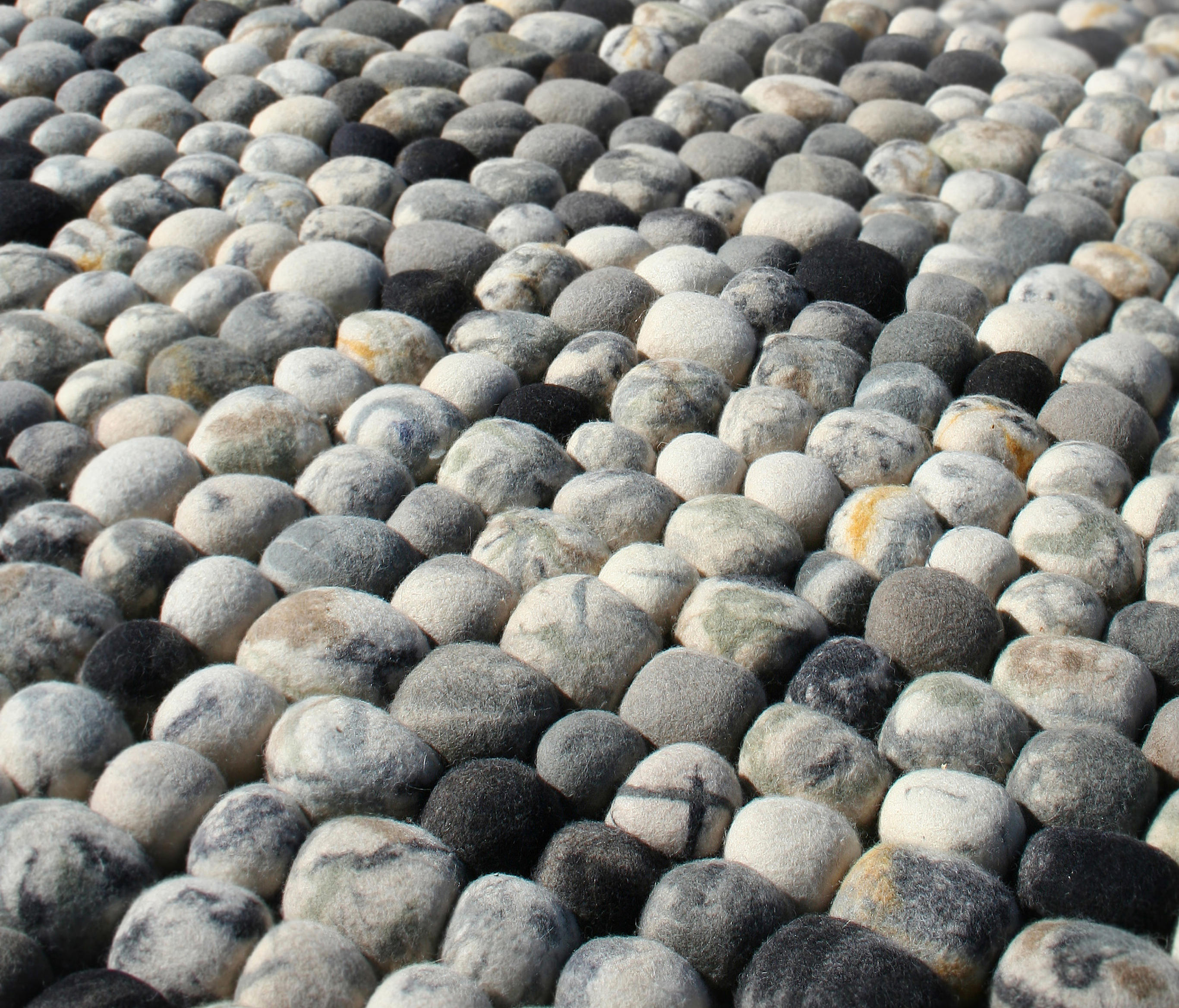 Pebble Rugs From 2form Design Architonic