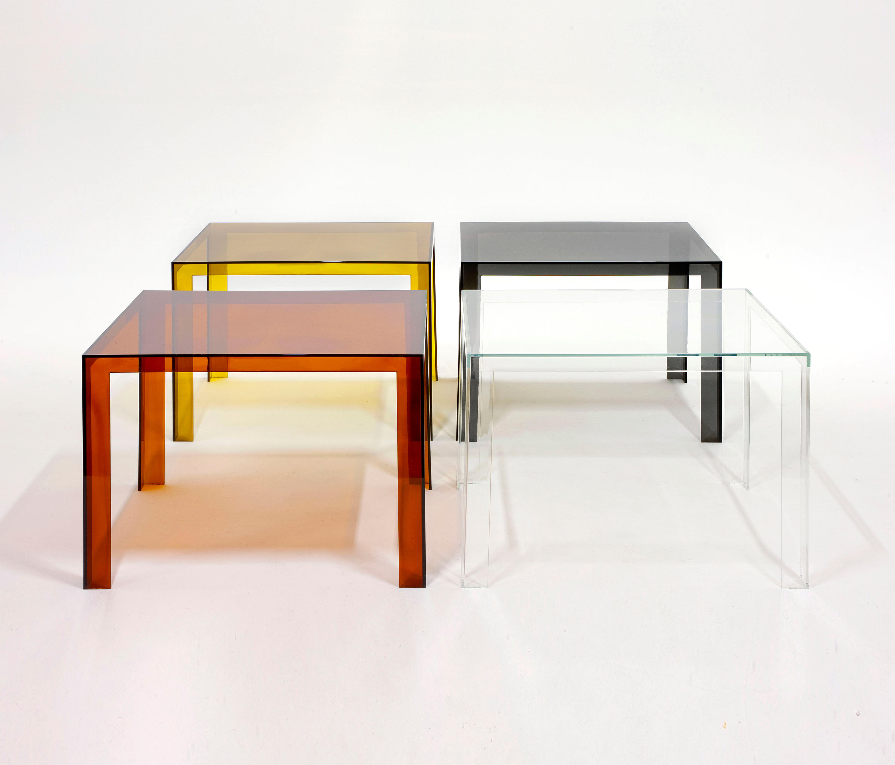 Invisible table restaurant tables from kartell architonic for Table kartell