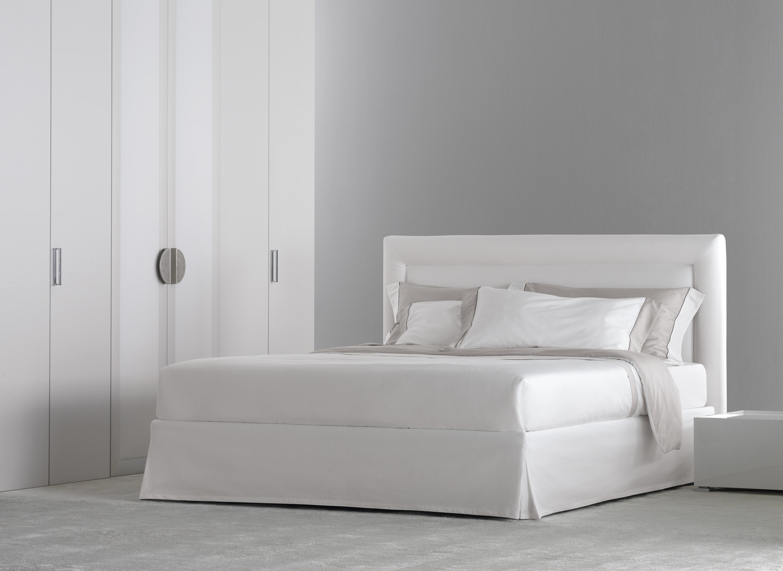 Pochette pure letto letti matrimoniali flou architonic for 2 piani letto 2 bagni