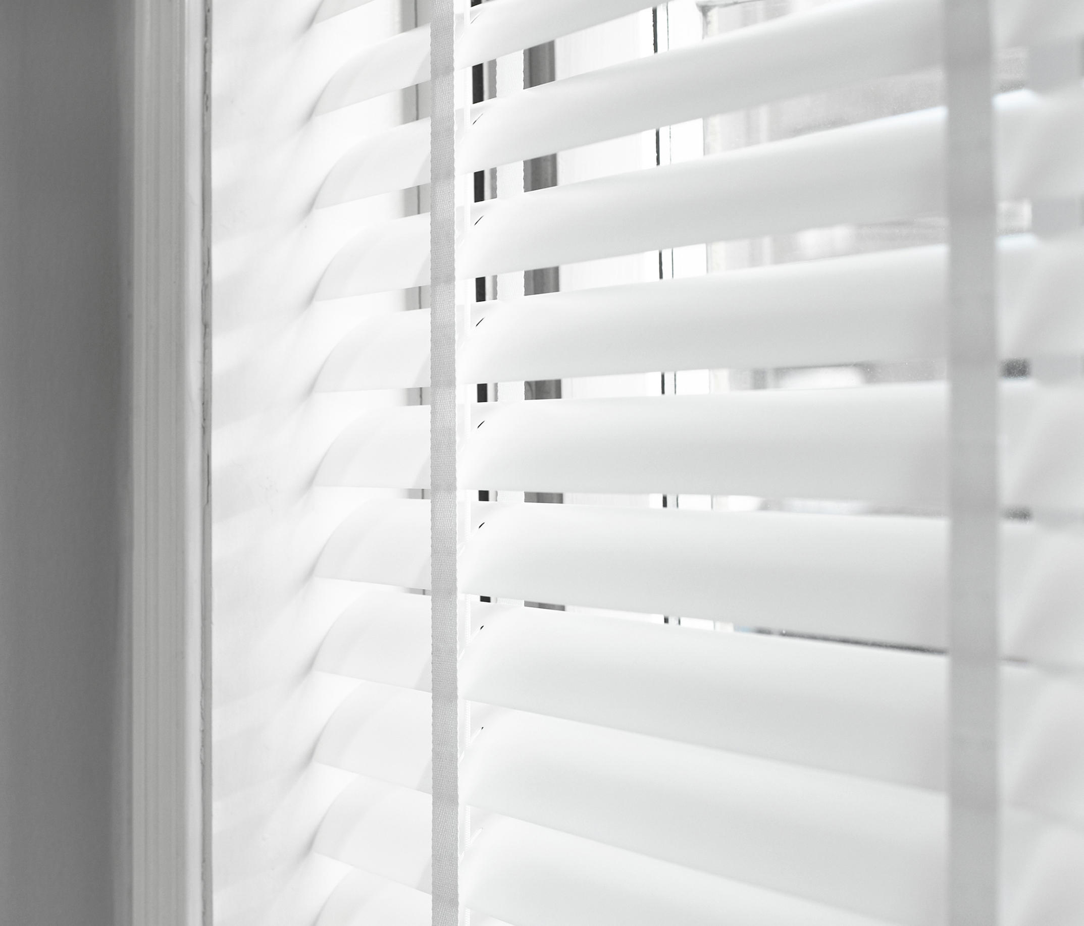 Venetian Blinds Transparent Cord Operated Systems From