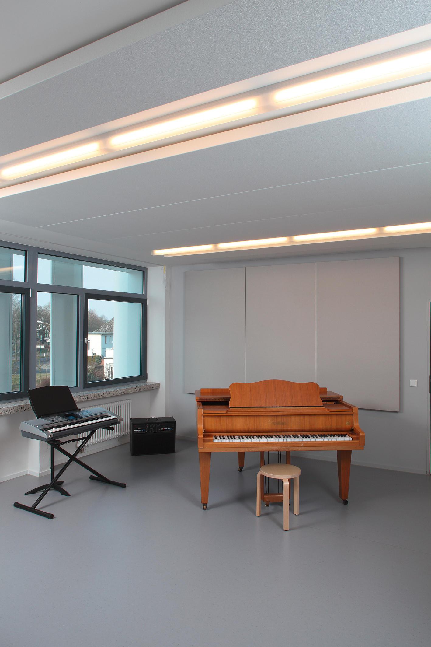 Innovative Holzpaneele Deckenmontage: Innovative Raumteiler
