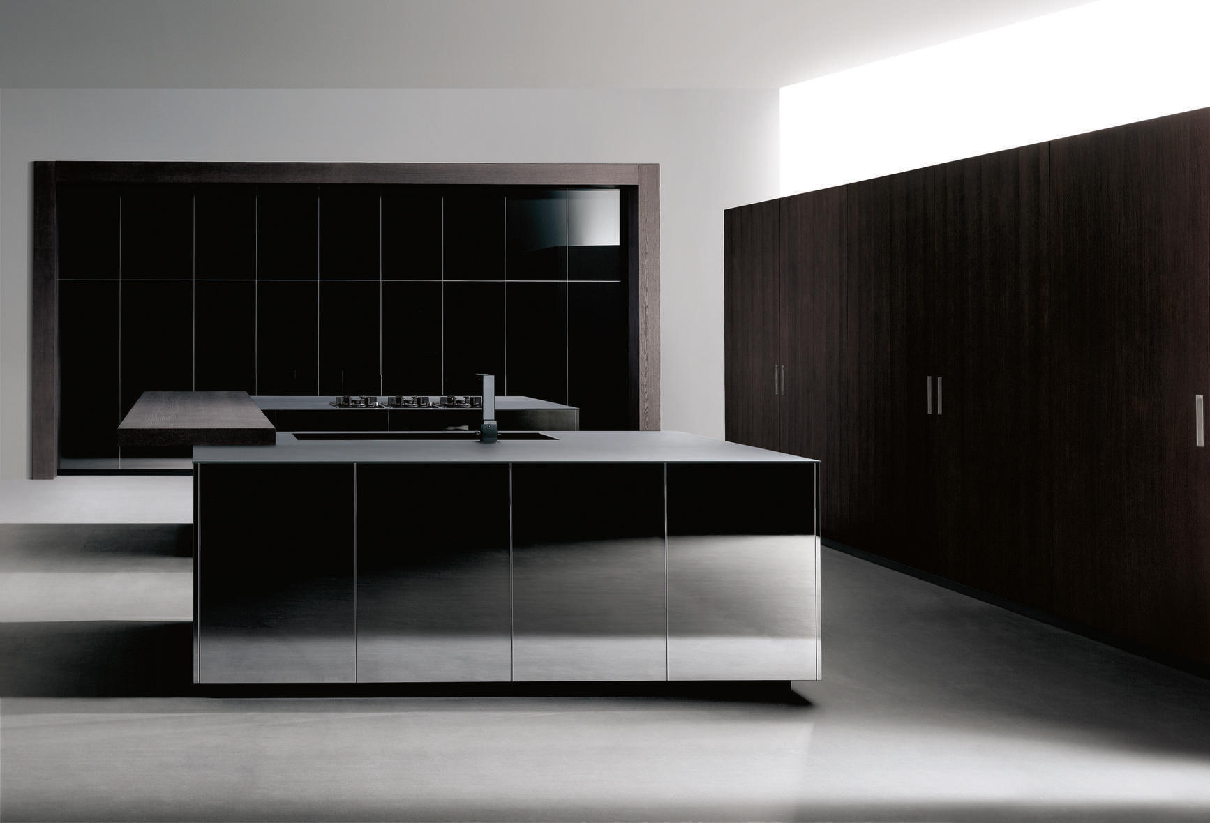 Cocinas Doca | Ideco Negro Barna Roblee 68 Super Mirror Fitted Kitchens From