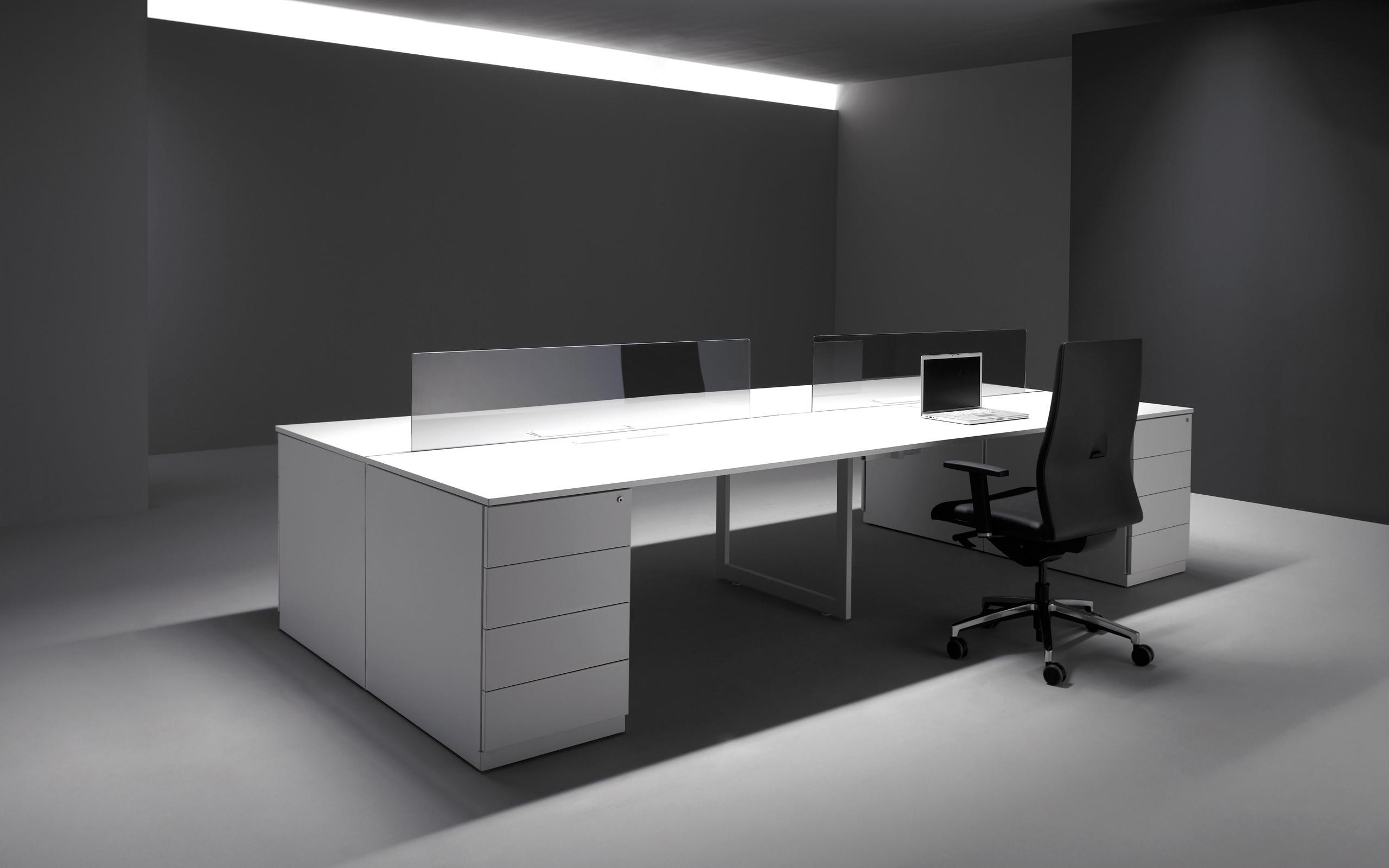 V30 desking systems from forma 5 architonic for Colores para oficinas modernas