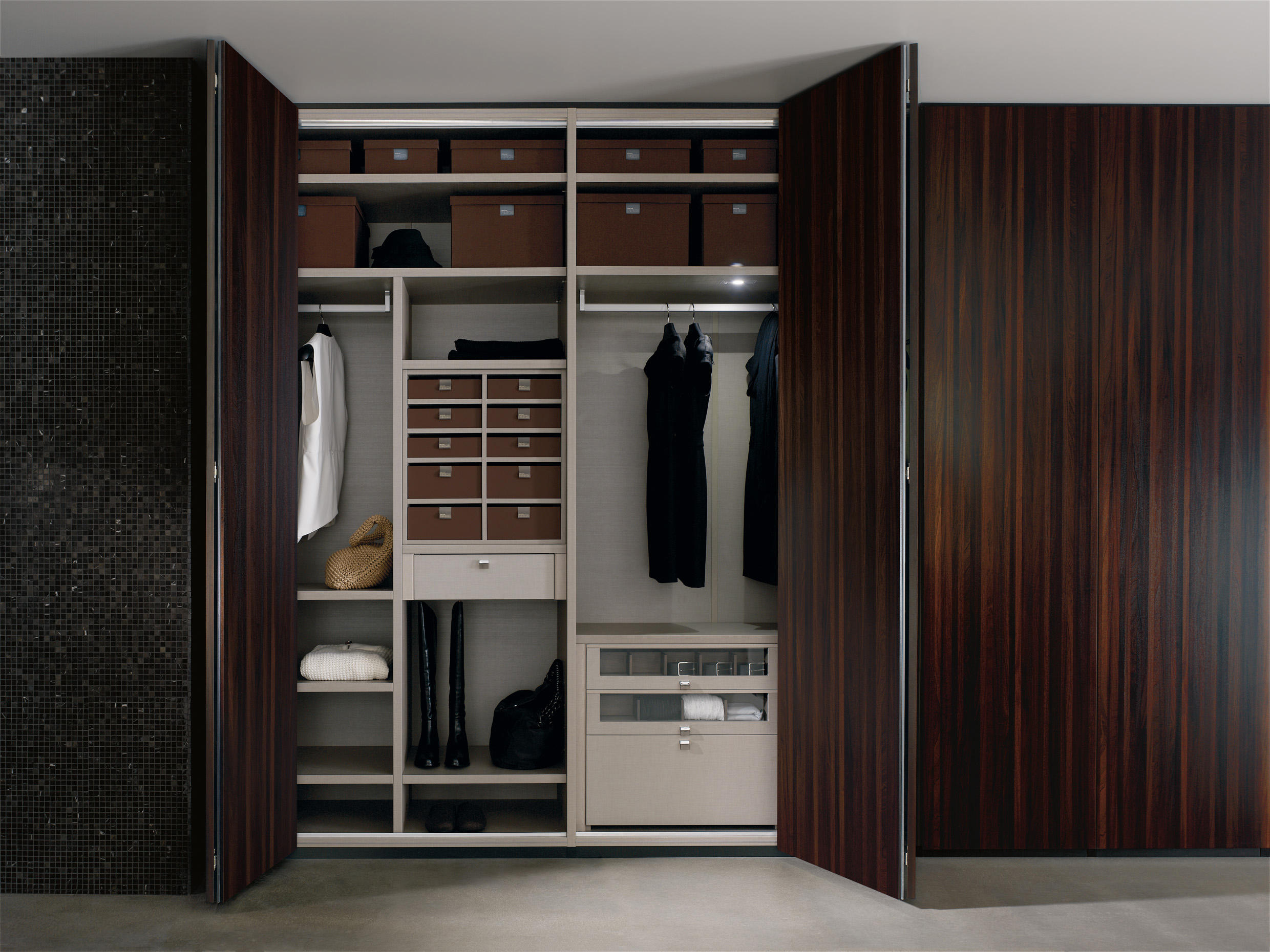 kenia moocca cabinets from doca architonic. Black Bedroom Furniture Sets. Home Design Ideas