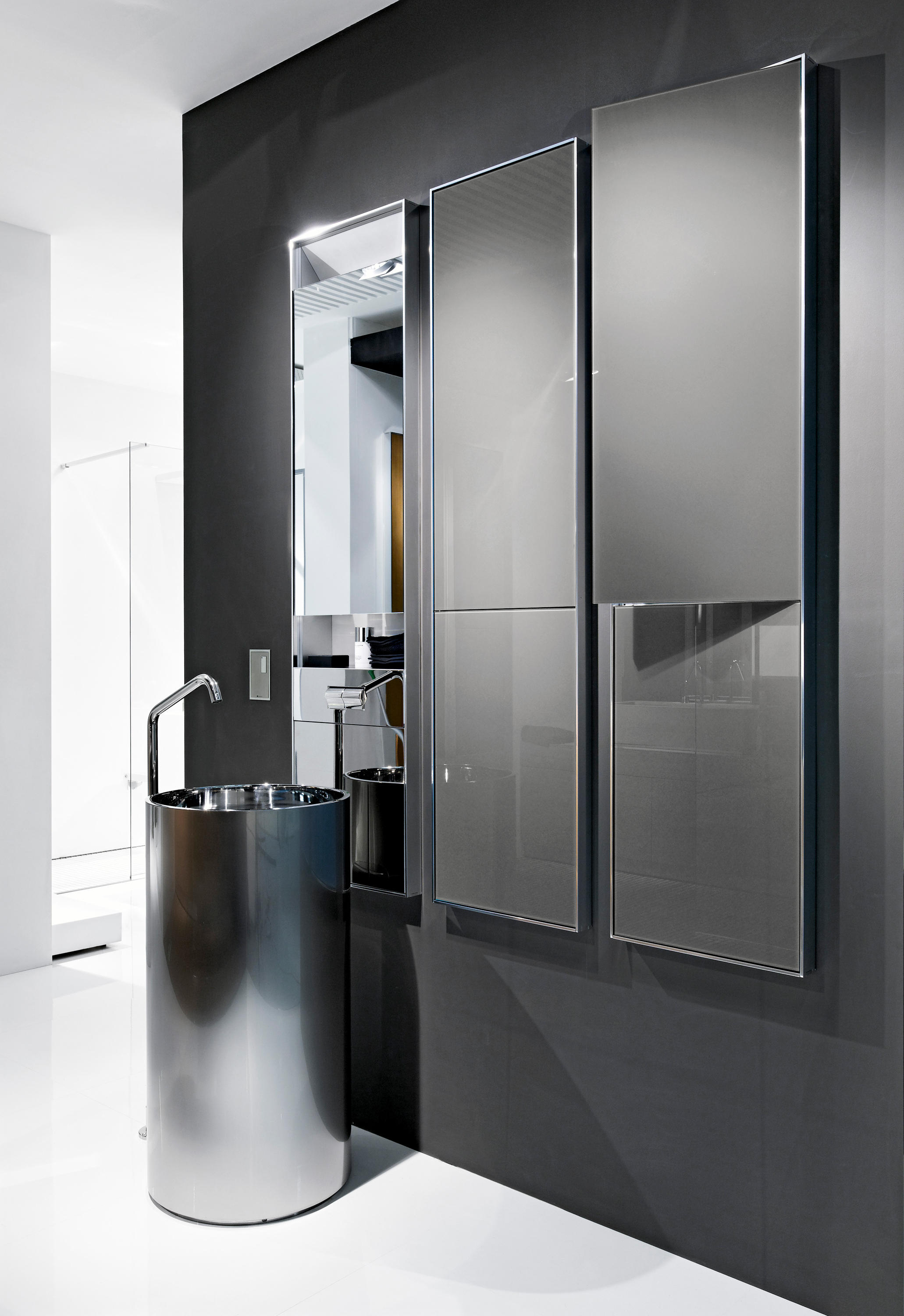 Wall wall mirror wall cabinets from makro architonic for Bathroom cabinets makro
