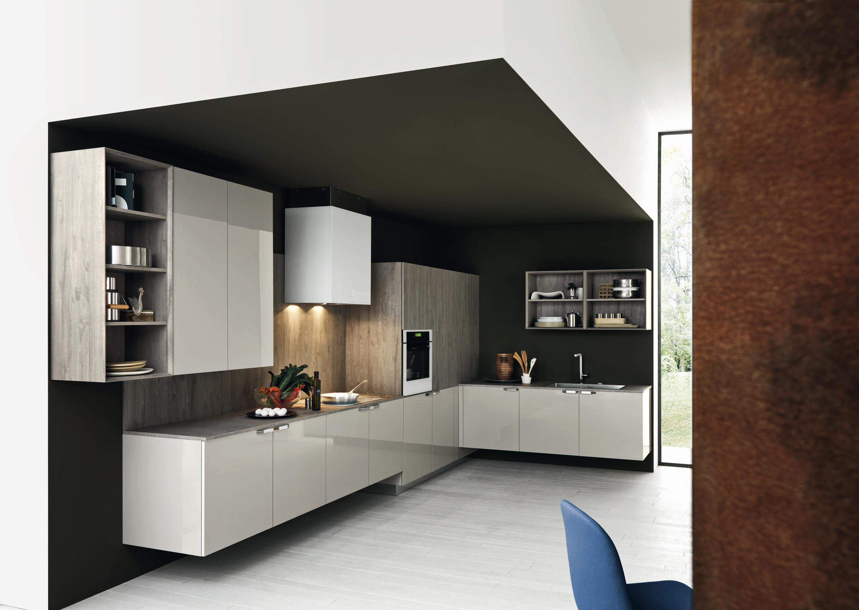 Ariel composizione 2 cucine a parete cesar arredamenti for Profili arredamenti
