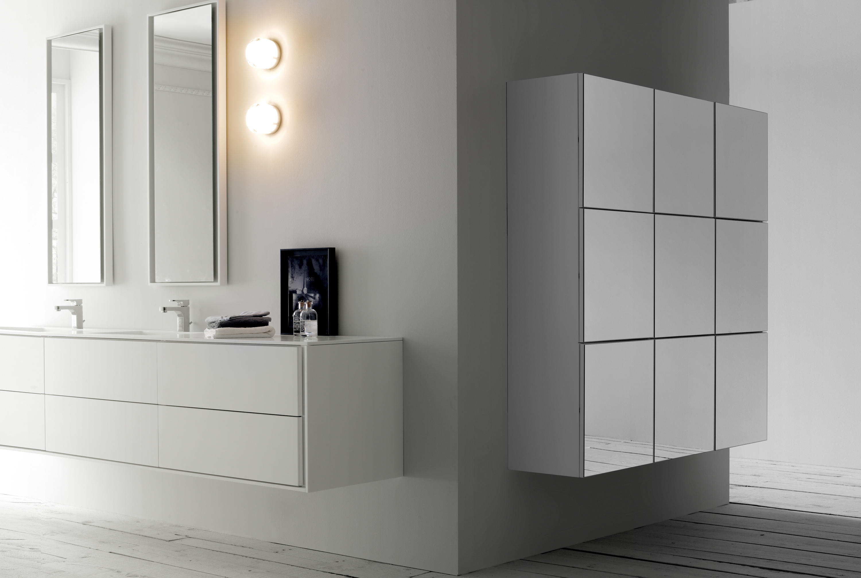 Basic Storage Wall Units Wall Cabinets From Codis Bath Architonic # Muebles Vendrell