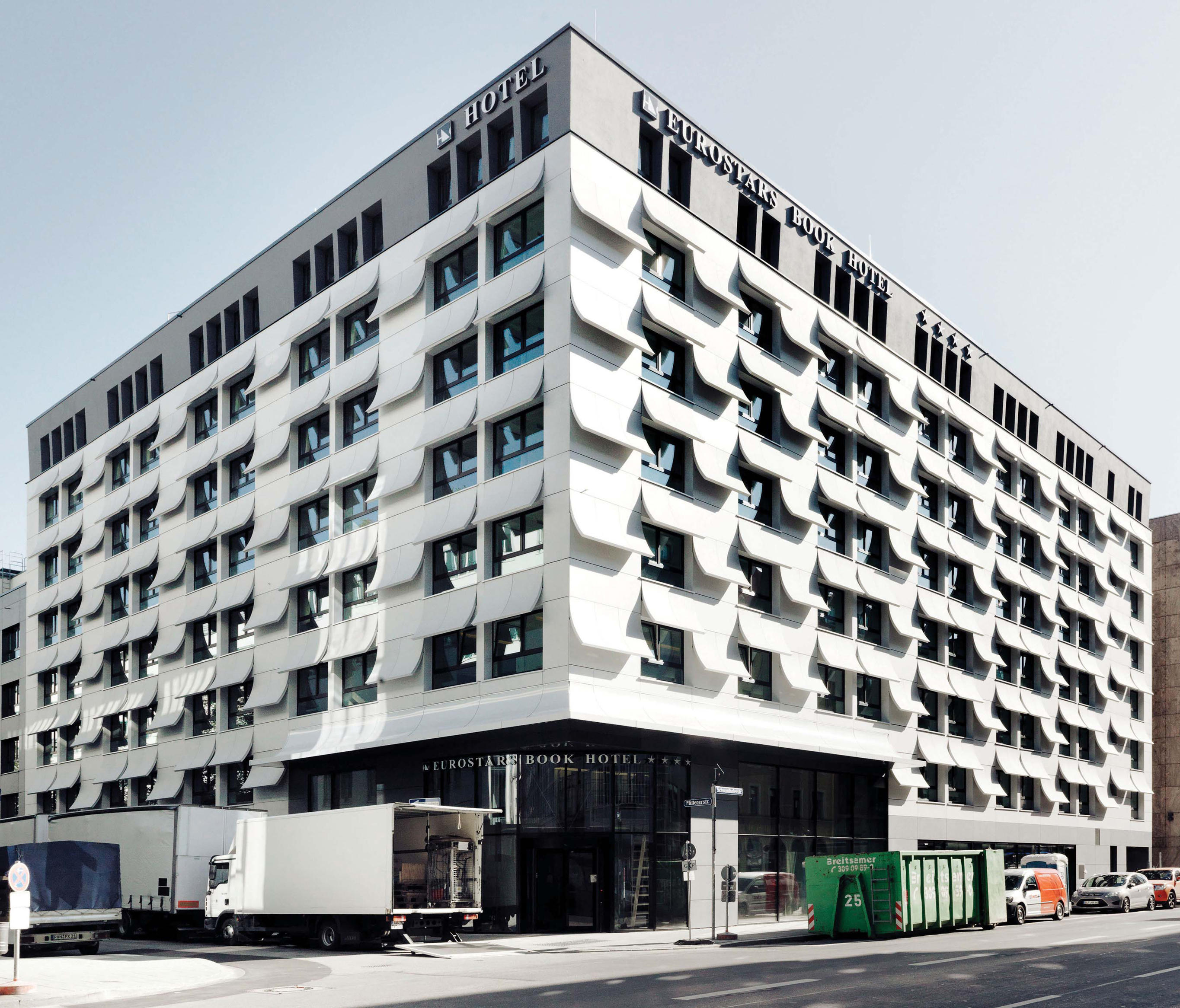 Eurostars book hotel munich facade design from rieder for Design hotel muenchen