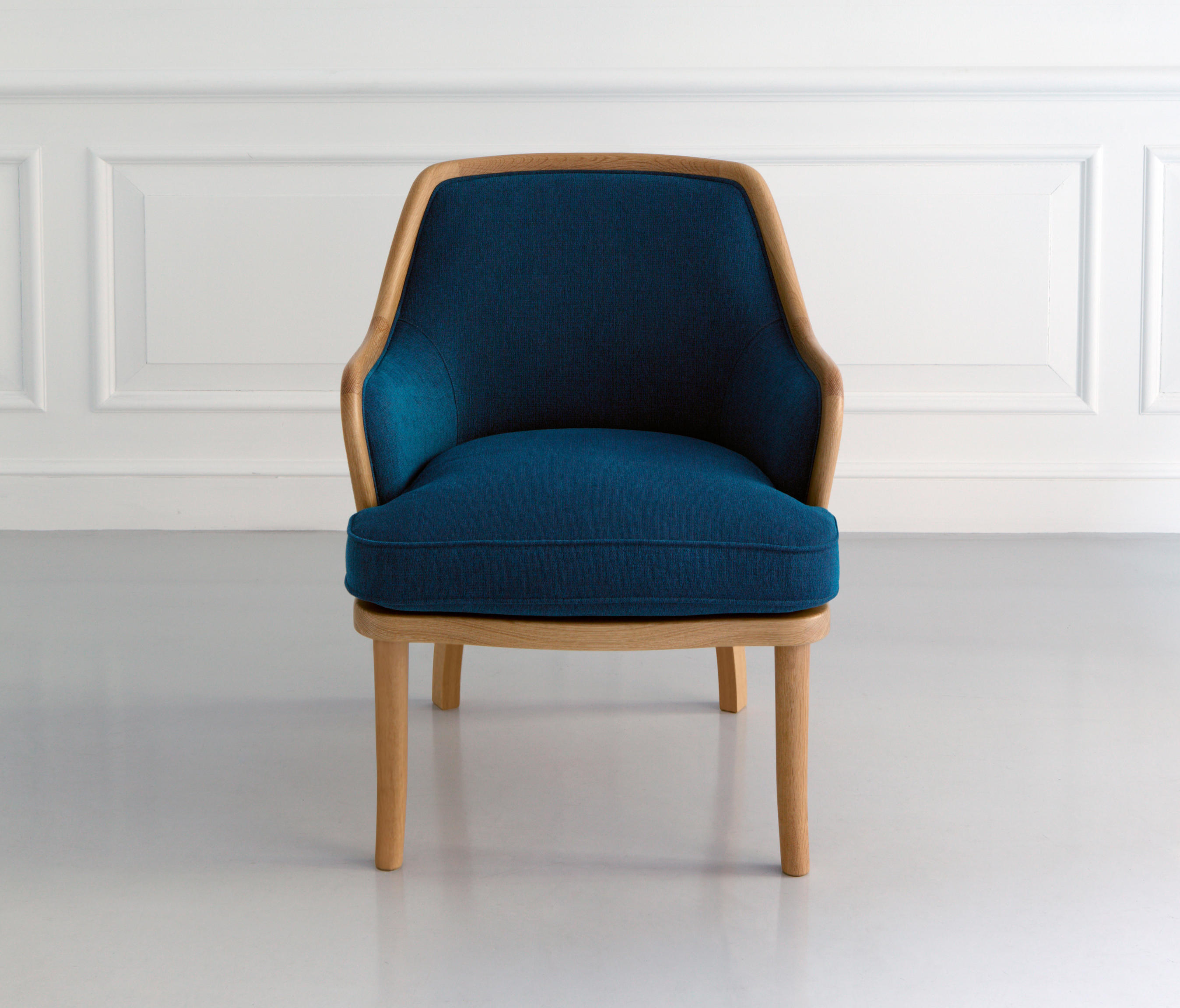 CLUB ARM CHAIR Lounge chairs from MARUNI