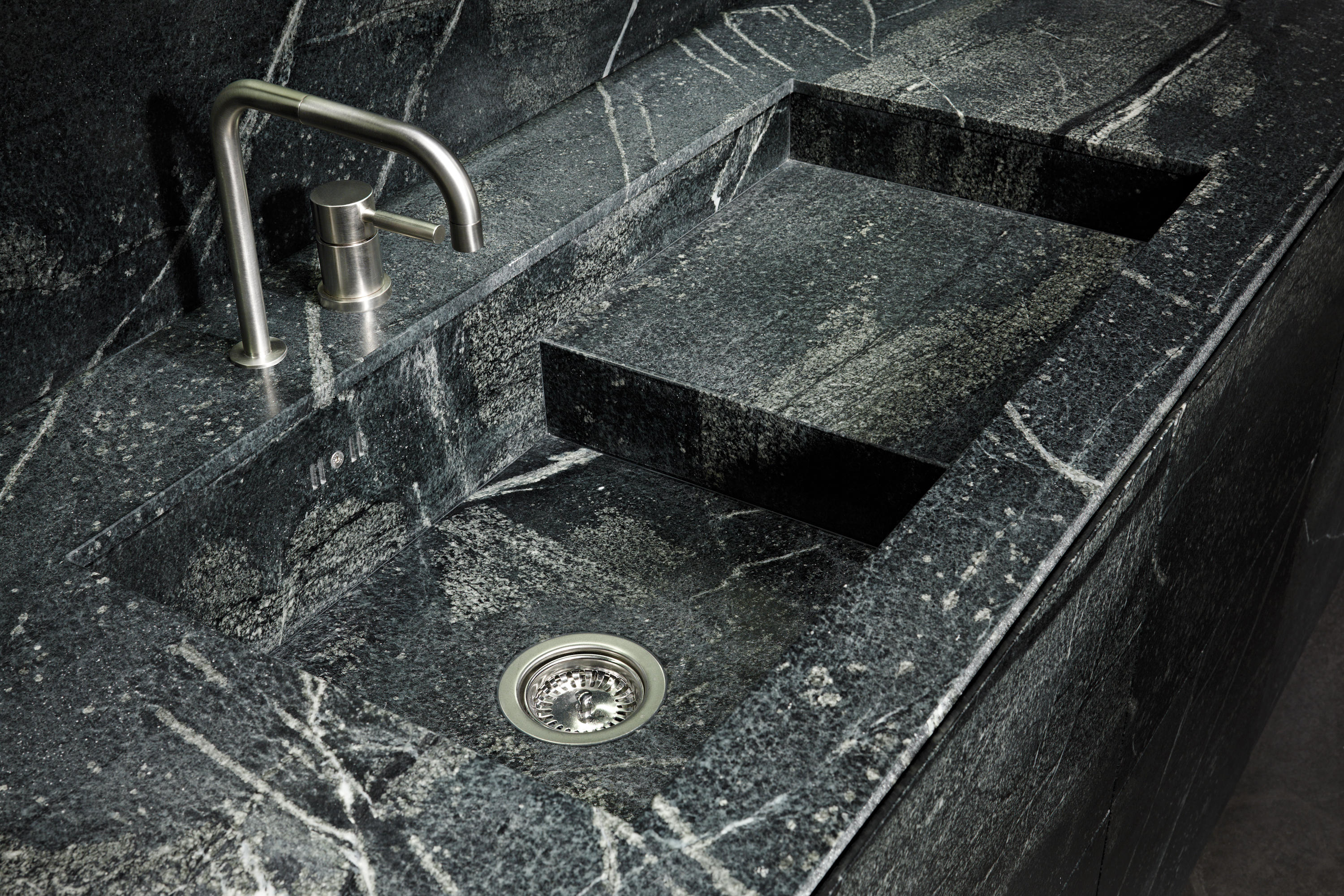 Soapstone island kitchens from eggersmann architonic for Wohndesign forster