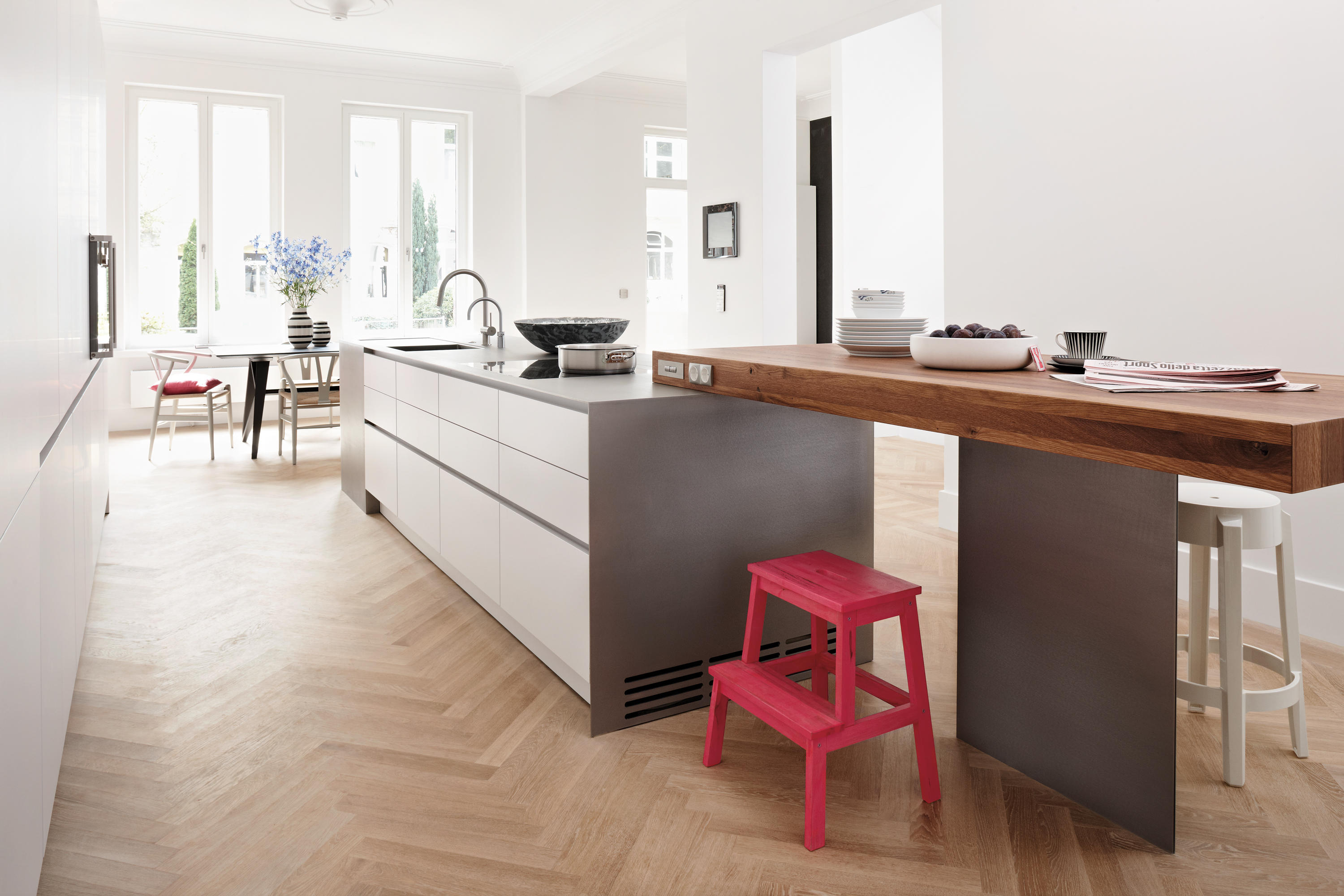 Haus hamburg island kitchens from eggersmann architonic for Haus kitchens
