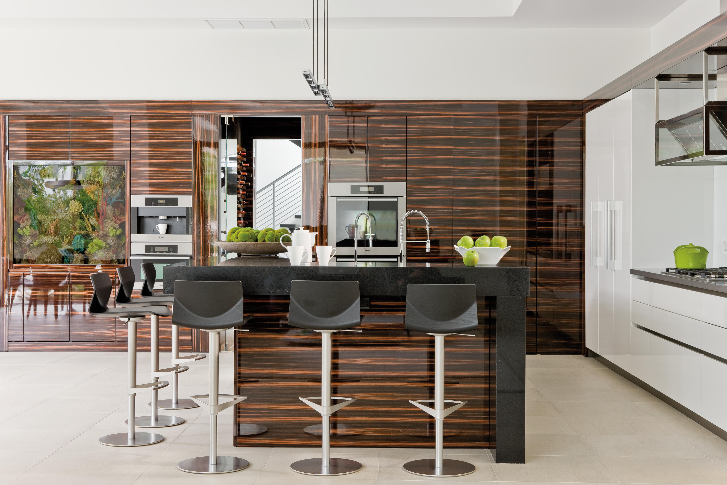 Haus miami bespoke kitchens from eggersmann architonic for Haus kitchens