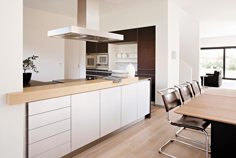 villa hamburg k cheninseln von eggersmann architonic. Black Bedroom Furniture Sets. Home Design Ideas