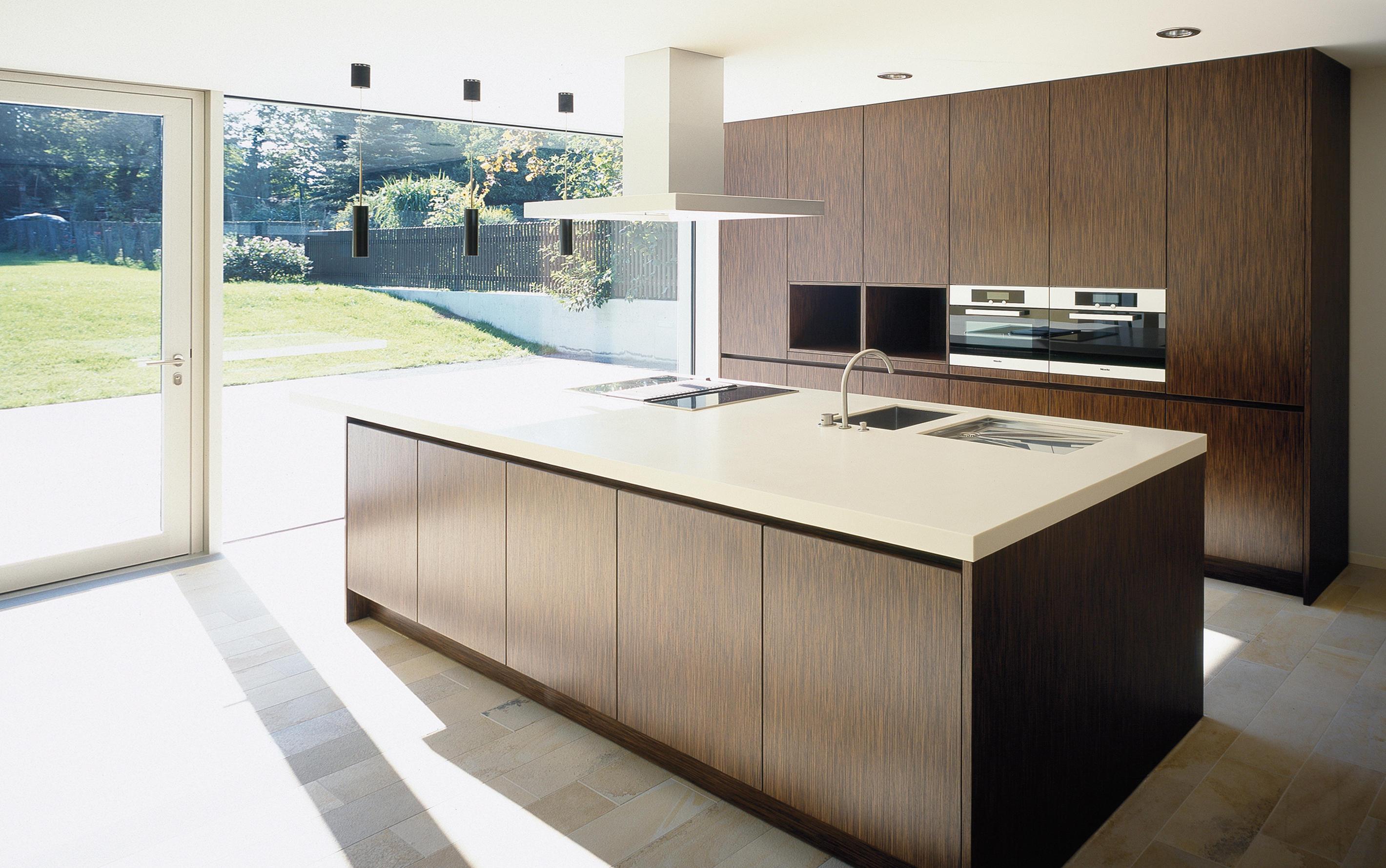 villa lichtenstein island kitchens from eggersmann. Black Bedroom Furniture Sets. Home Design Ideas