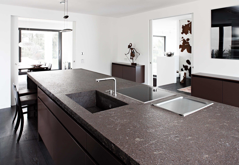 villa wiesbaden k cheninseln von eggersmann architonic. Black Bedroom Furniture Sets. Home Design Ideas