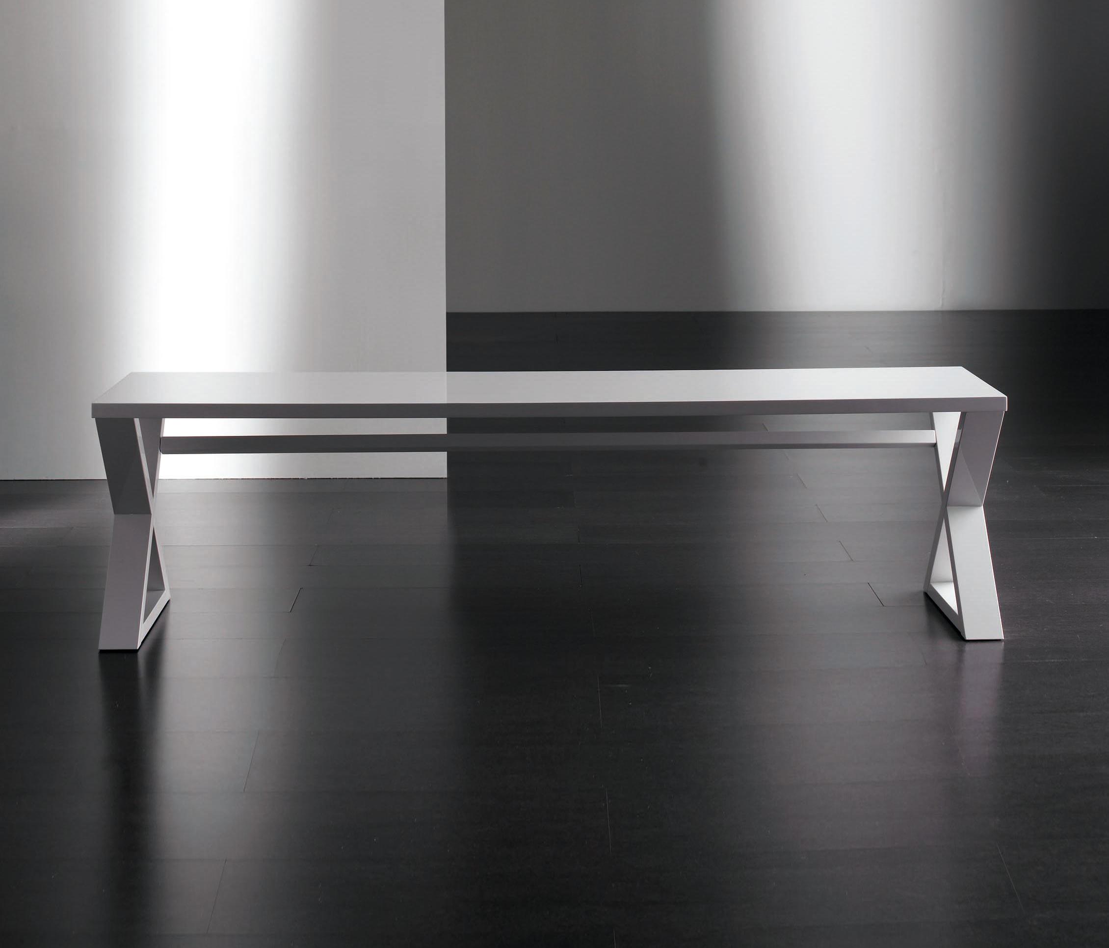 Cruis console 185 tavoli a consolle meridiani architonic for Catalogo meridiani