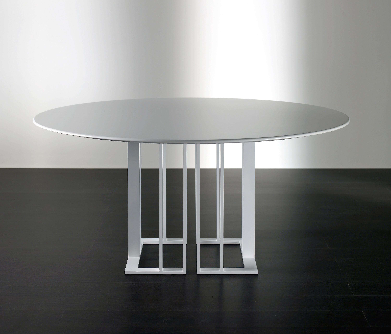 Charlie tisch restauranttische von meridiani architonic for Tisch design andrea