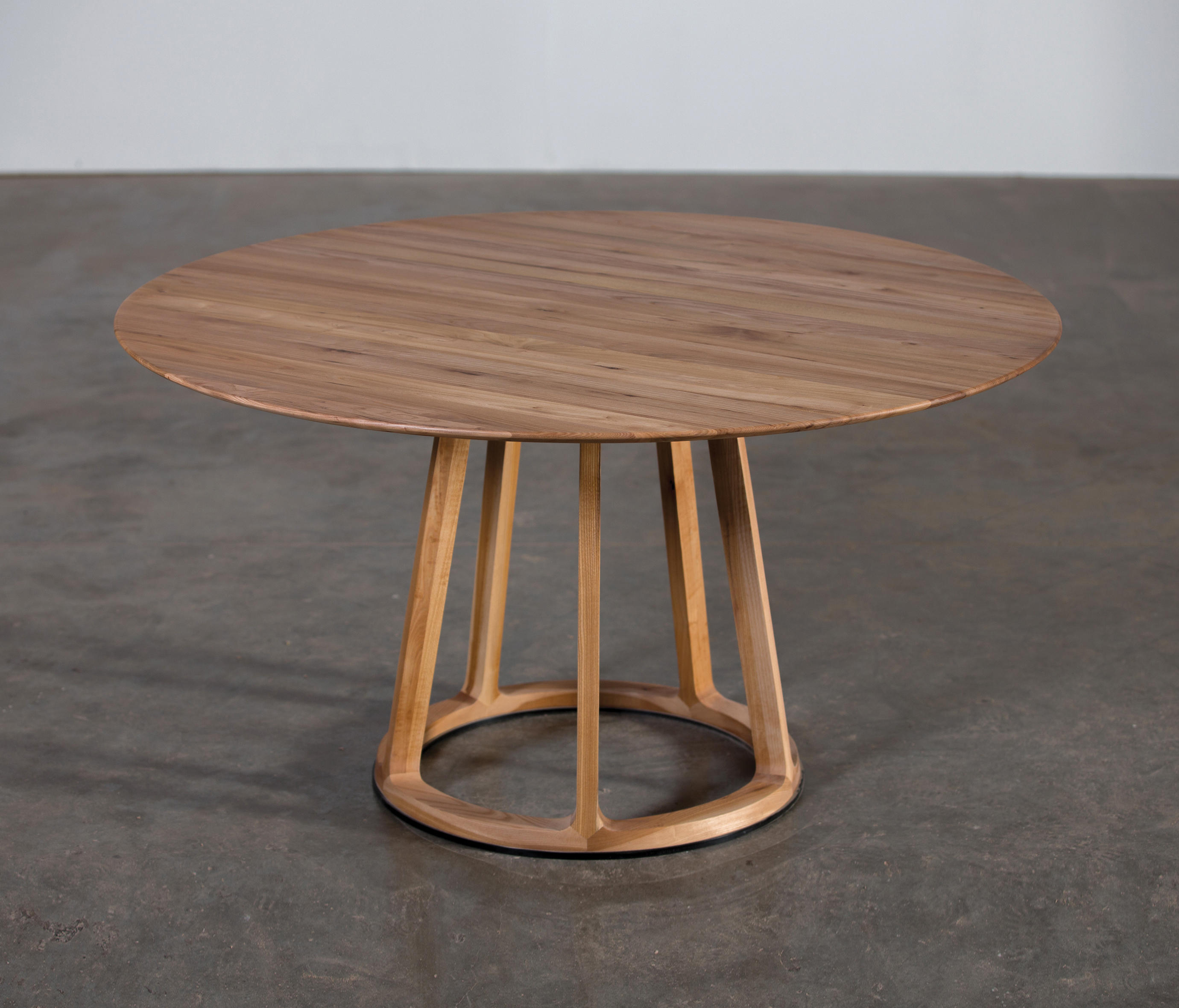 PIVOT TABLE Restaurant tables from Artisan