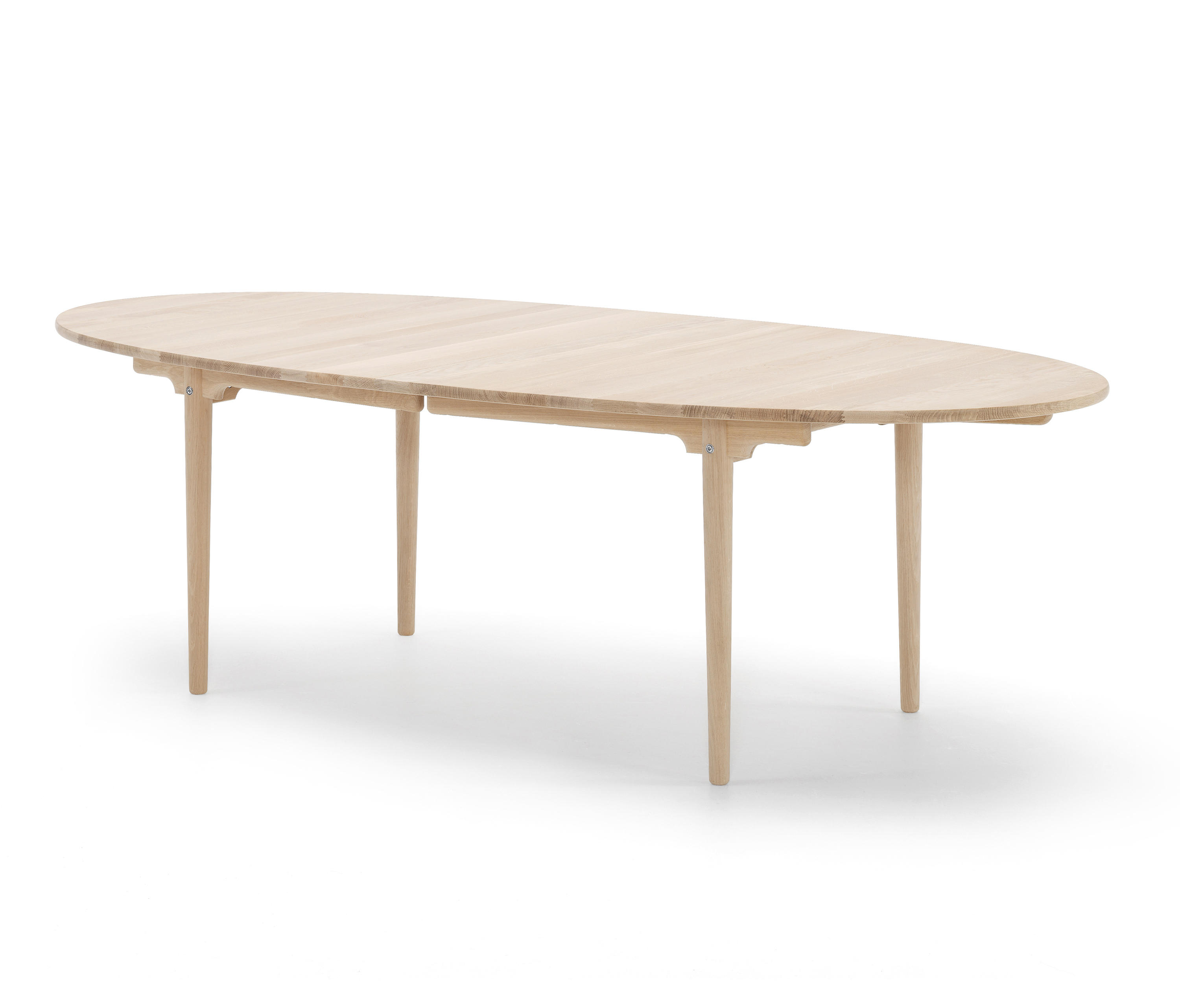CH339 Dining tables from Carl Hansen & S¸n